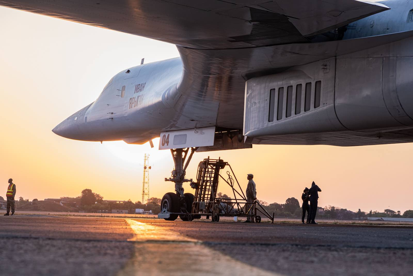 """A Russian Air Force Tupolev Tu-160 """"Blackjack"""" on the tarmac at the Waterkloof Air force Base in Centurion, South Africa, 23 October 2019. (Photo: Emmanuel Croset/AFP/Getty)"""