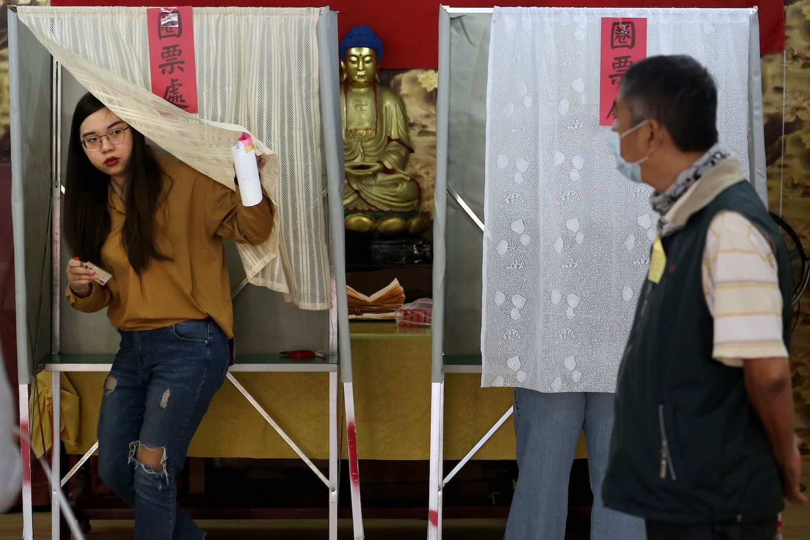 A polling station at Linyuan District in Kaohsiung during the January 2020 elections in Taiwan (Hsu Tsun-hsu/AFP via Getty Images)