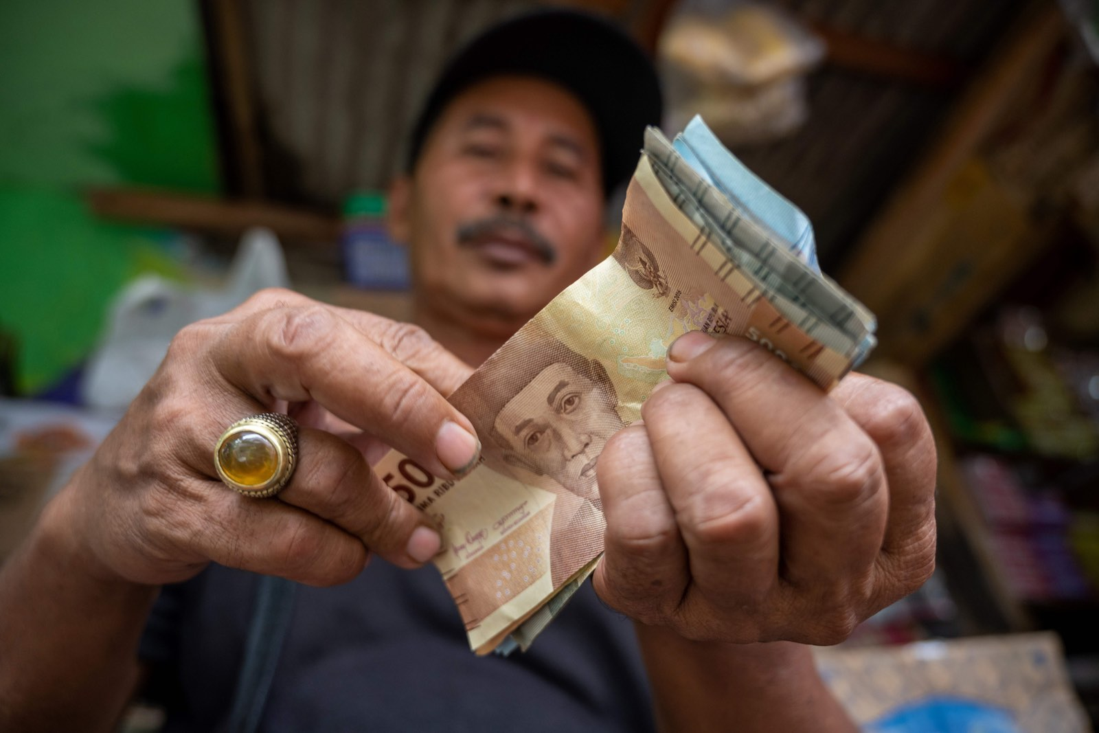 A Jakarta street vendor, February 2020 (Bay Ismoyo/AFP via Getty Images)