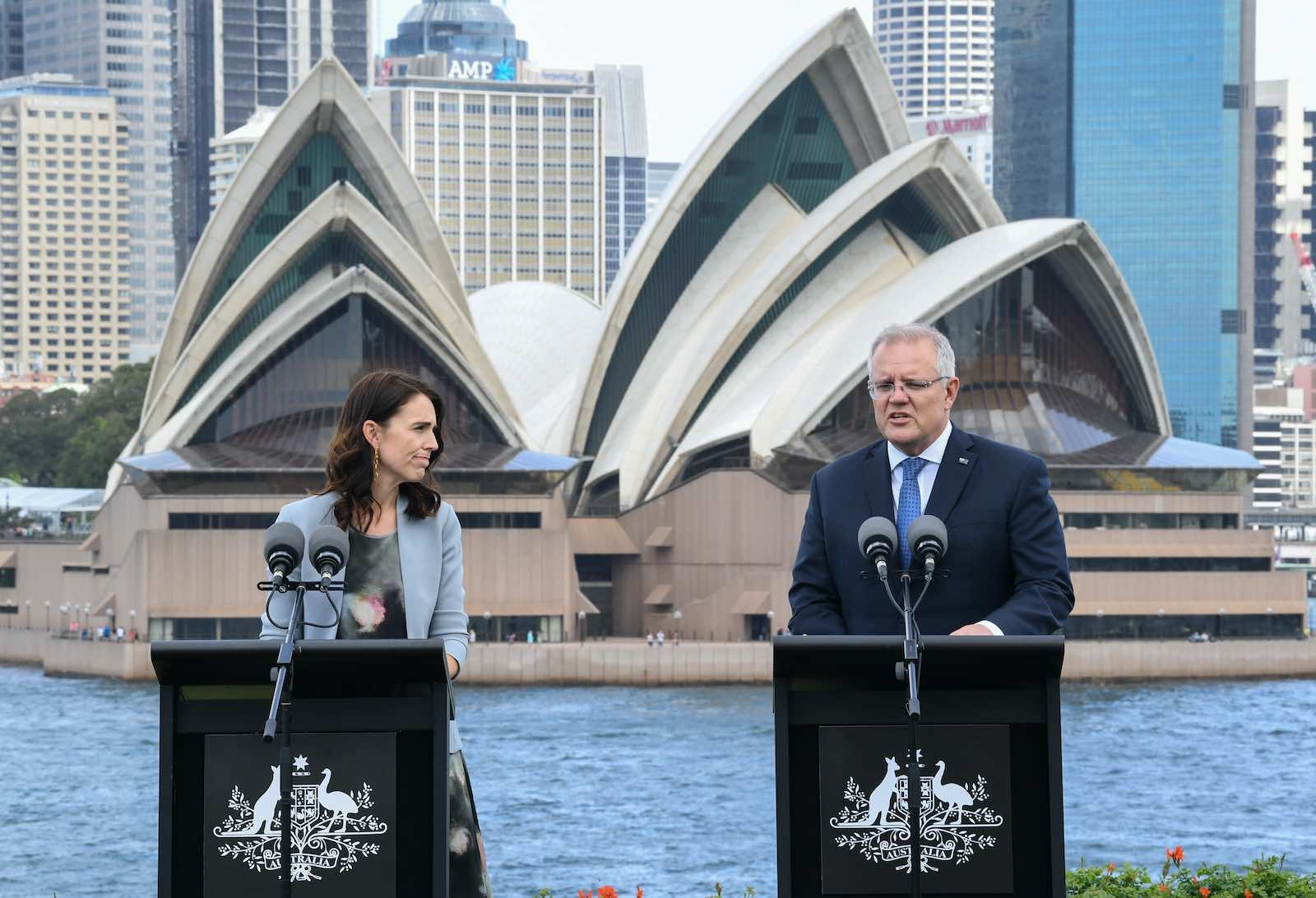 New Zealand Prime Minister Jacinda Ardern and Australian Prime Minster Scott Morrison during a February 2020 meeting in Sydney (James D. Morgan/Getty Images)