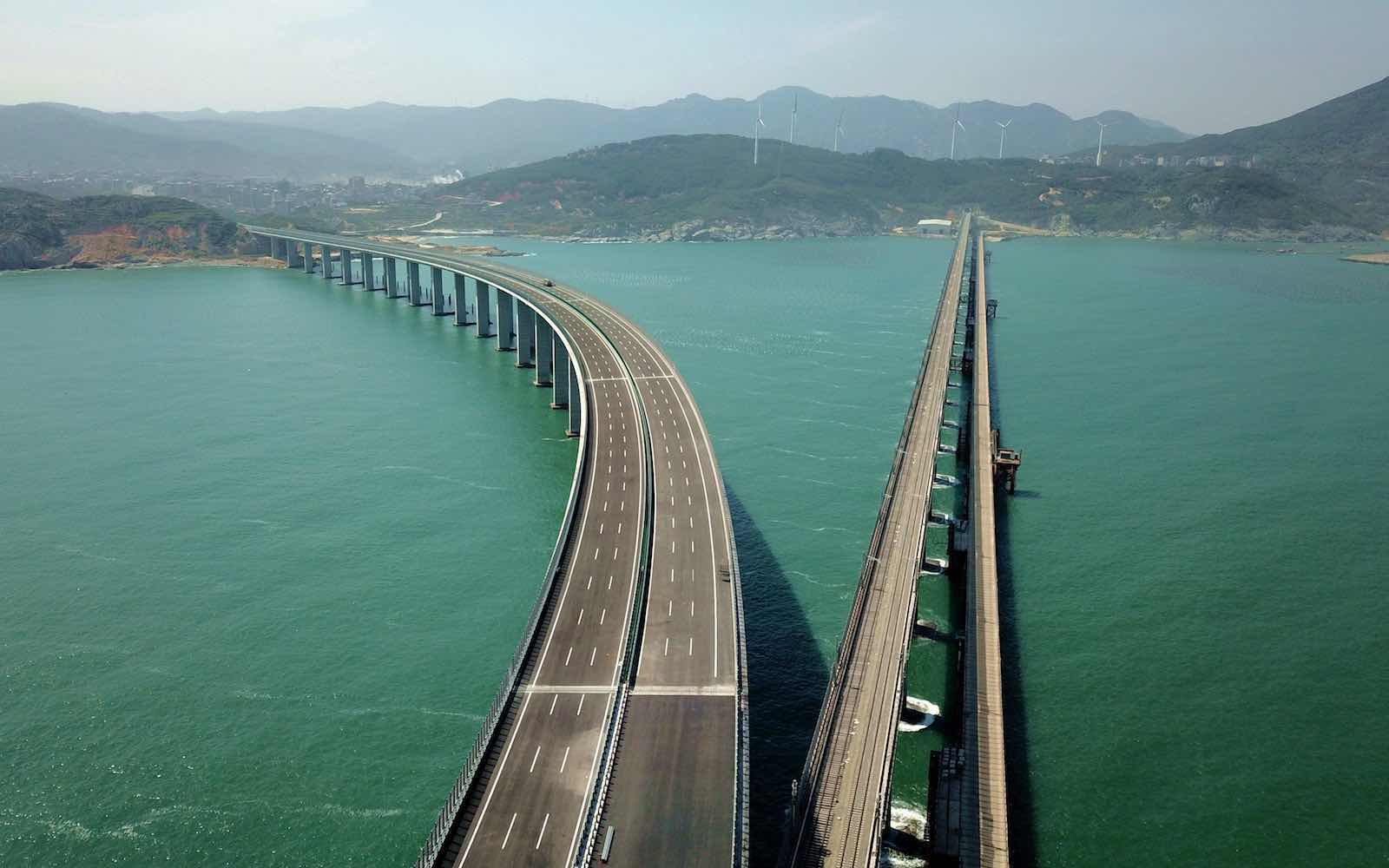 Pingtan cross-strait expressway/railway bridge under construction, Fujian province, China, 29 April (Wang Dongming/China News Service via Getty)