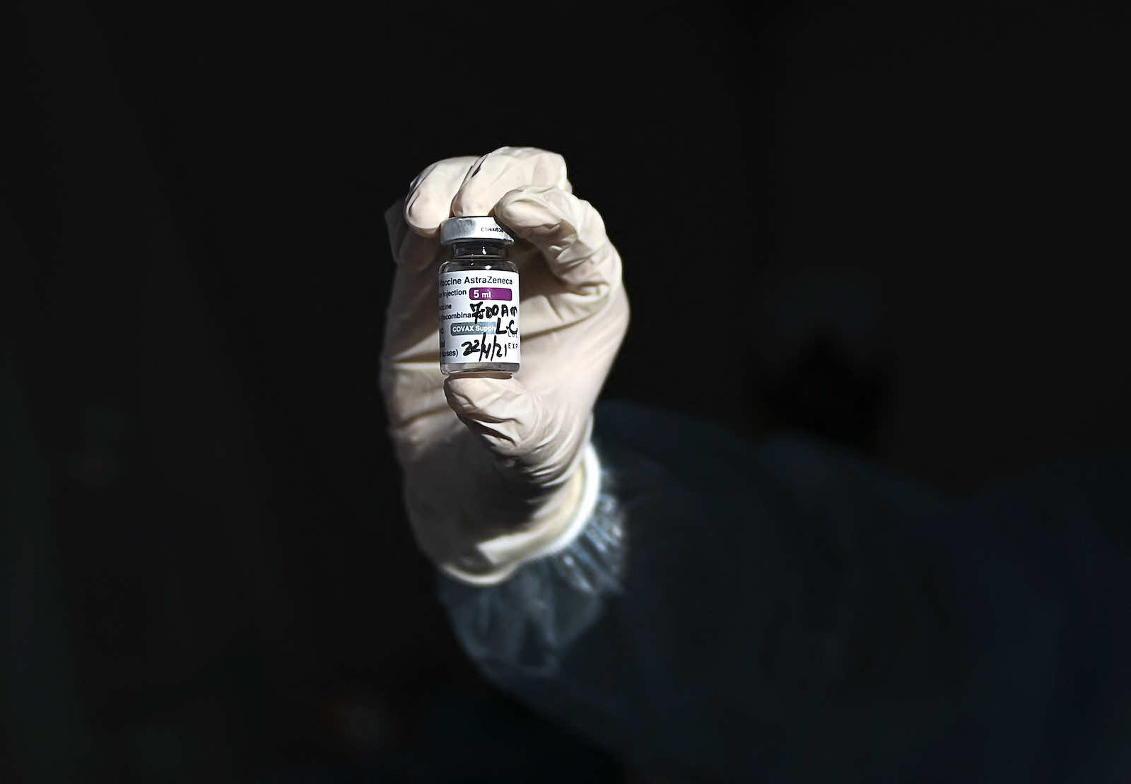Australia's geographic position in the Indo-Pacific region and abundance of vaccines mean it could do more to support other countries (Luis Acosta/AFP via Getty Images)