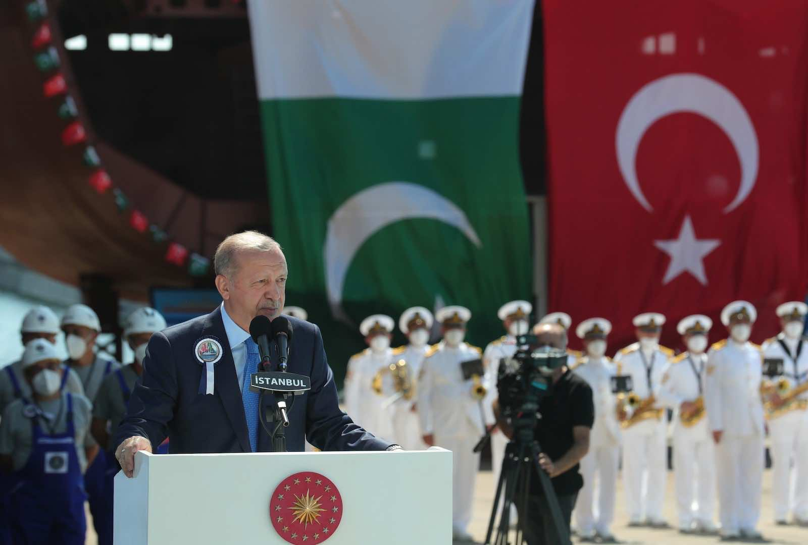 Turkish President Recep Tayyip Erdoğan in Istanbul on 15 August promising to increase cooperation with Pakistan to dispel concerns about a new wave of migration from Afghanistan (Xinhua via Getty Images)