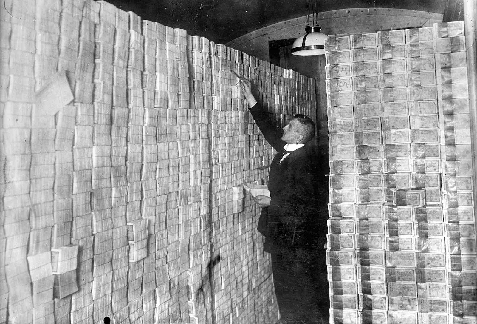 A basement of a bank full of banknotes in Weimar Republic days (Photo: Albert Harlingue/Roger Viollet via Getty Images)