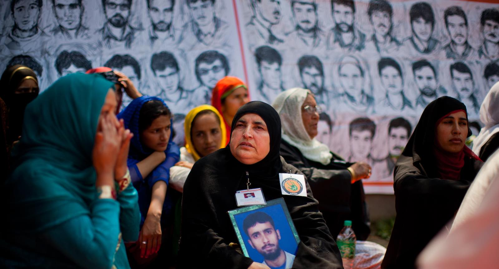 "Relatives of the ""disappeared"" demonstrate in 2015 in Srinagar, Kashmir (Photo: Yawar Nazir/Getty)"