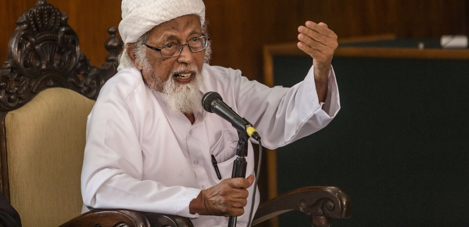 Abu Bakar Ba'asyir challenges his conviction at Cilacap District Court in January 2016 (Photo: Ulet Ifansasti/Getty)