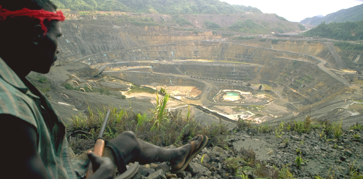 Overlooking Panguna mine circa 1997 (Photo Alex Smailes via Getty)