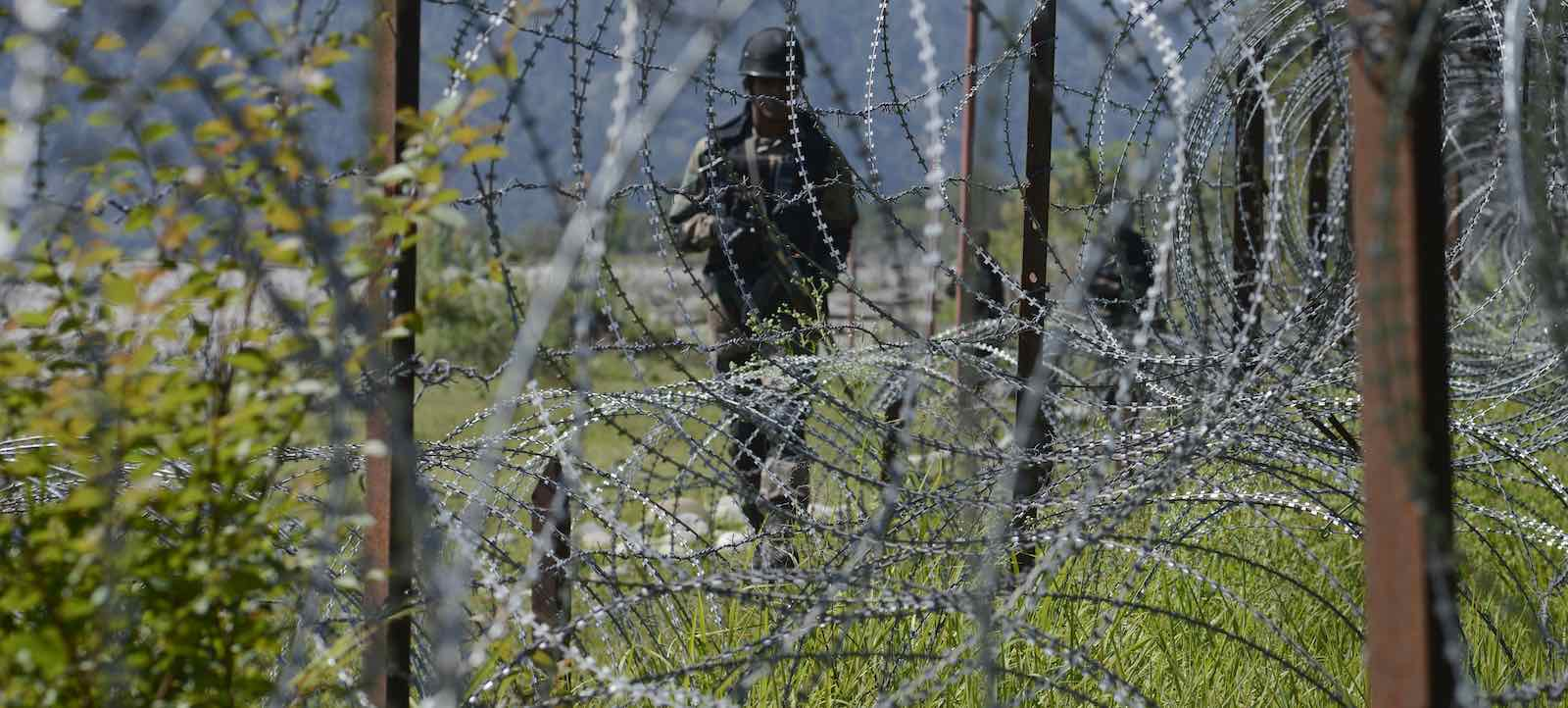 Indian patrols along the Line of Control, Kashmir (Photo: Gurinder Osan via Getty)