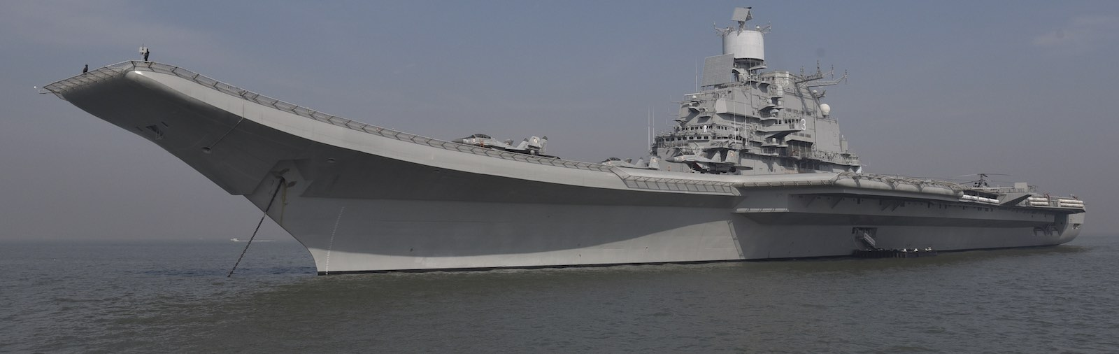 INS Vikramaditya anchored in Mumbai, India, December 2016 (Photo: Anshuman Poyrekar via Getty)