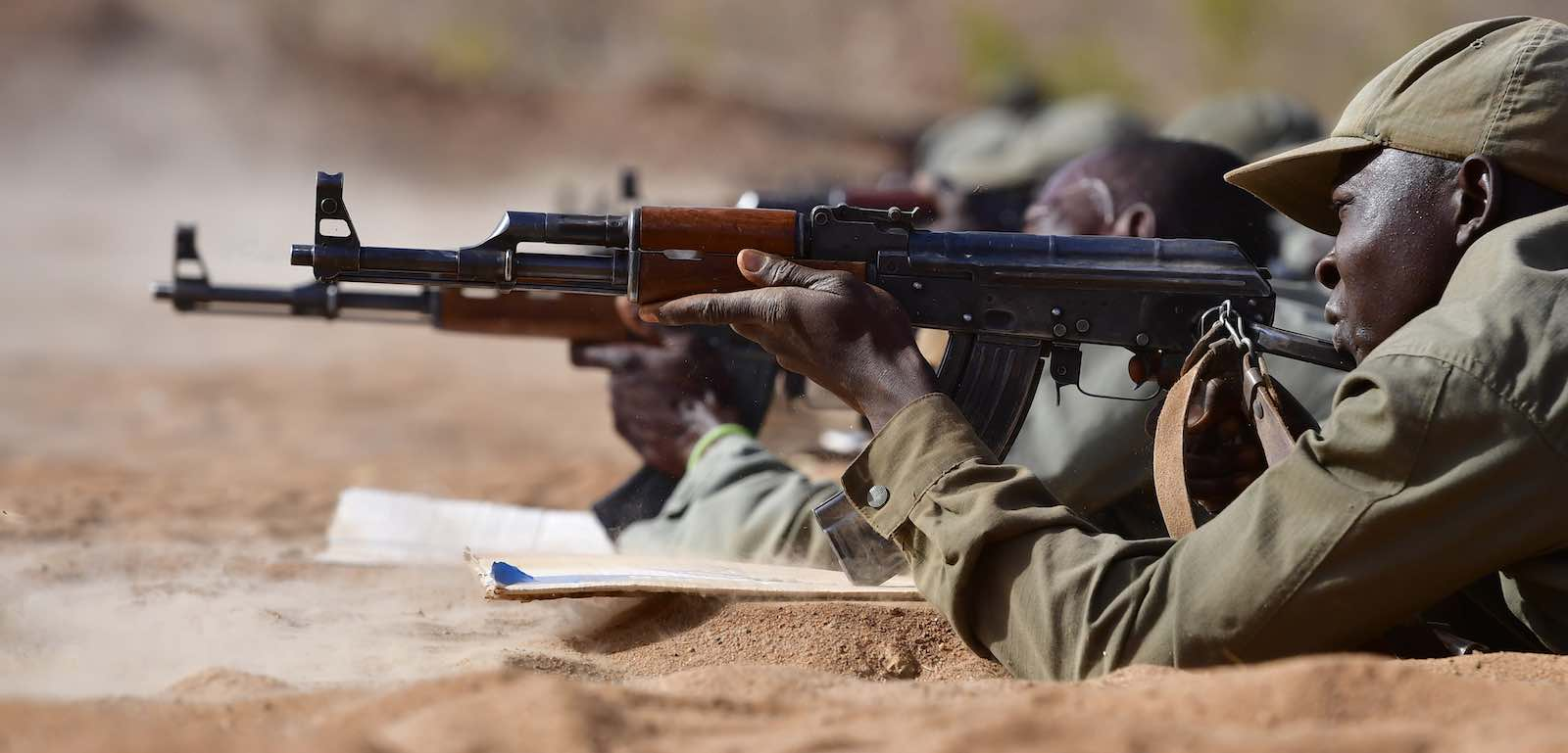 Troops in Mali training with AK-47 rifles (Photo: Alexander Koerner/Getty)