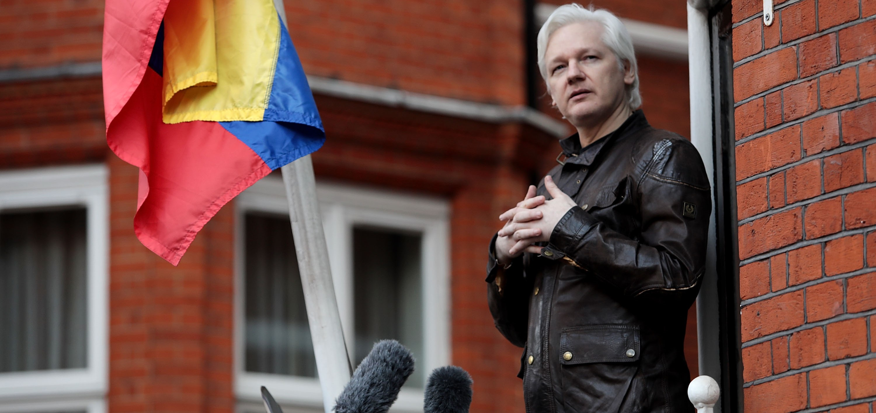 Julian Assange speaking outside the Ecuadorian Embassy in the UK, May 2017 (Photo: Jack Taylor/Getty Images)