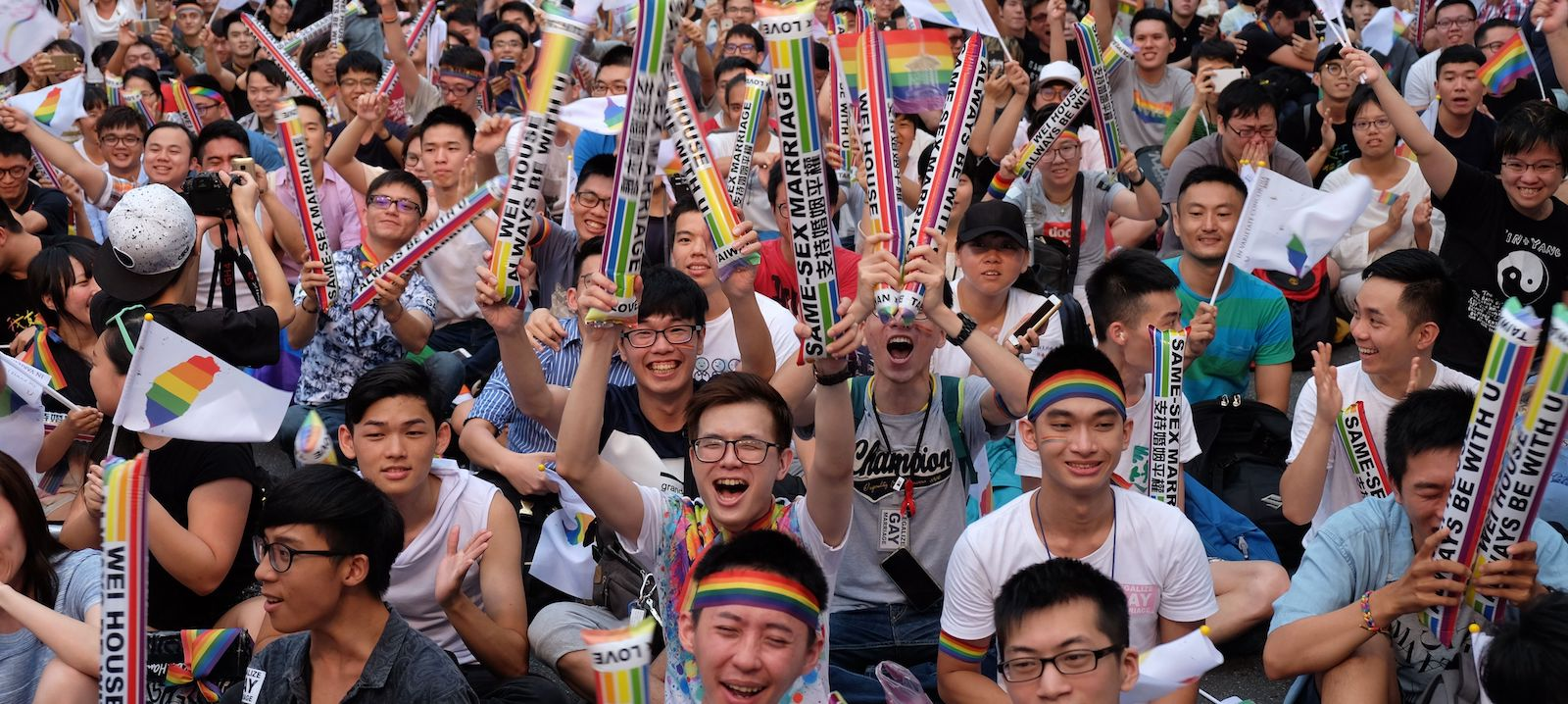 Crowds of pro-gay marriage supporters, in Taiwan, 2017 (Photo: Sam Yeh via Getty)