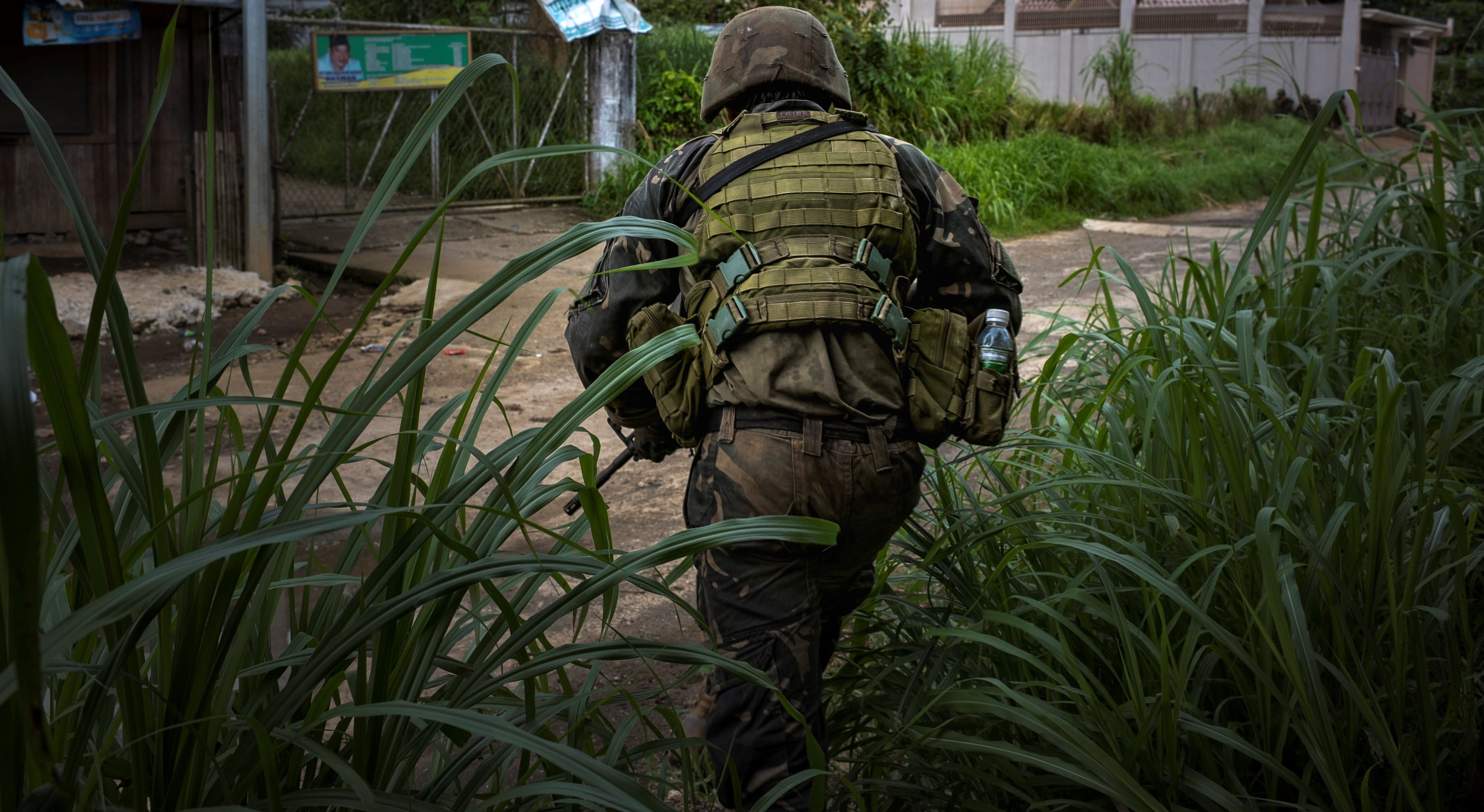 A Philippine soldier in Marawi City, May 2017 (Photo: Getty Images/Stringer/Jez Aznar)