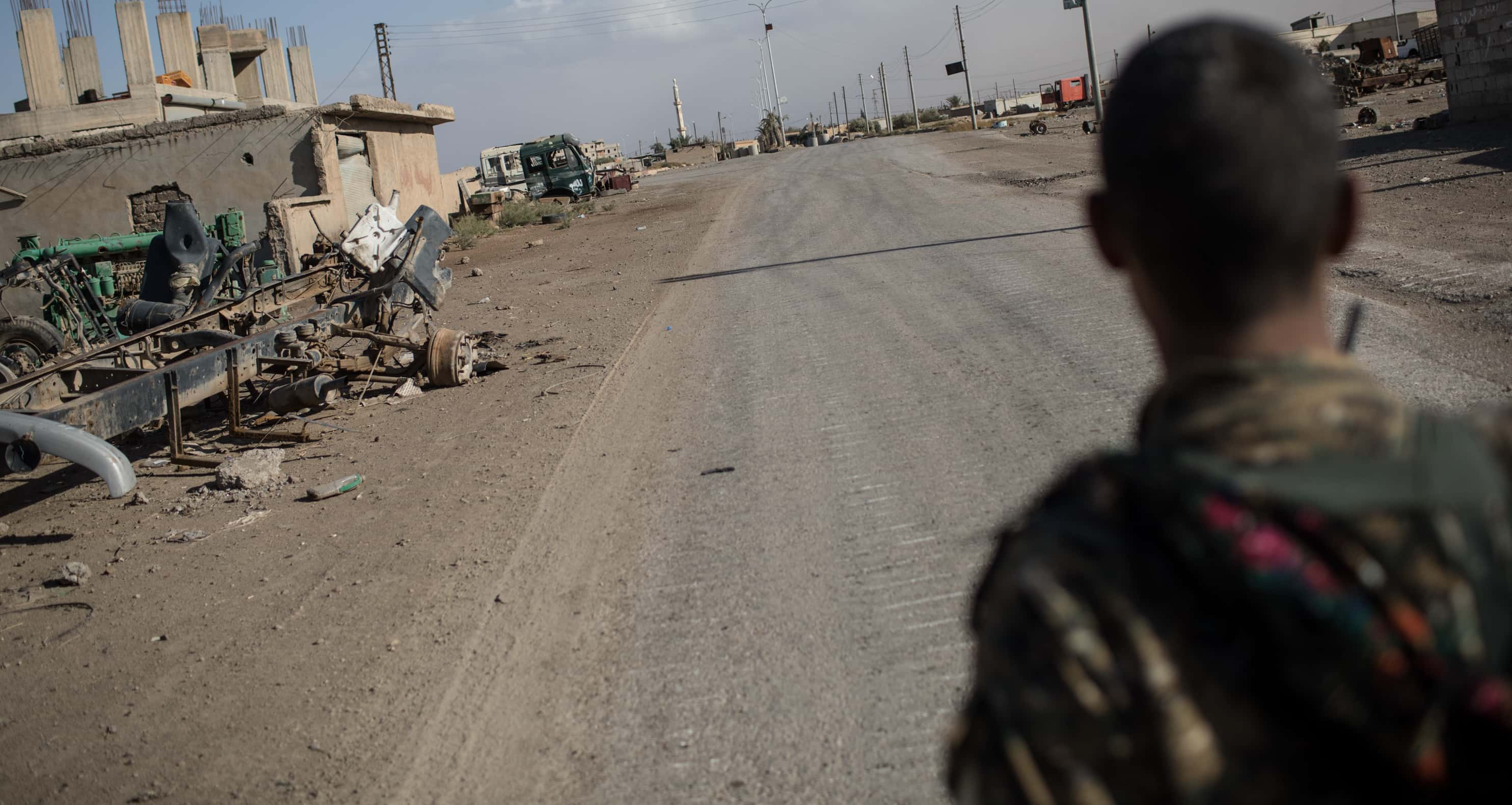 An empty street on the outskirts of Raqqa, October 2017 (Photo: Chris McGrath/Getty Images)