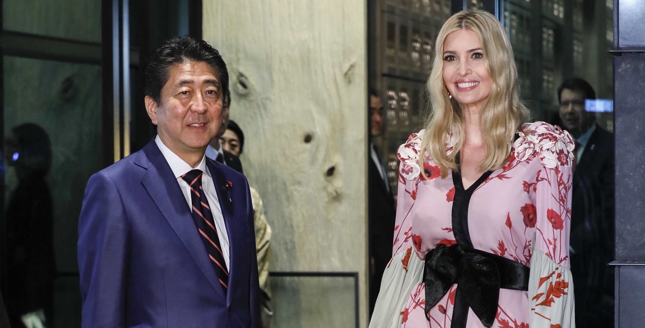 Japanese Prime Minister Shinzo Abe meeting with Ivanka Trump ahead of US President Donald Trump's arrival, November 2017 (Photo: Kimimasa Mayama /POOL/Anadolu Agency/Getty Images)