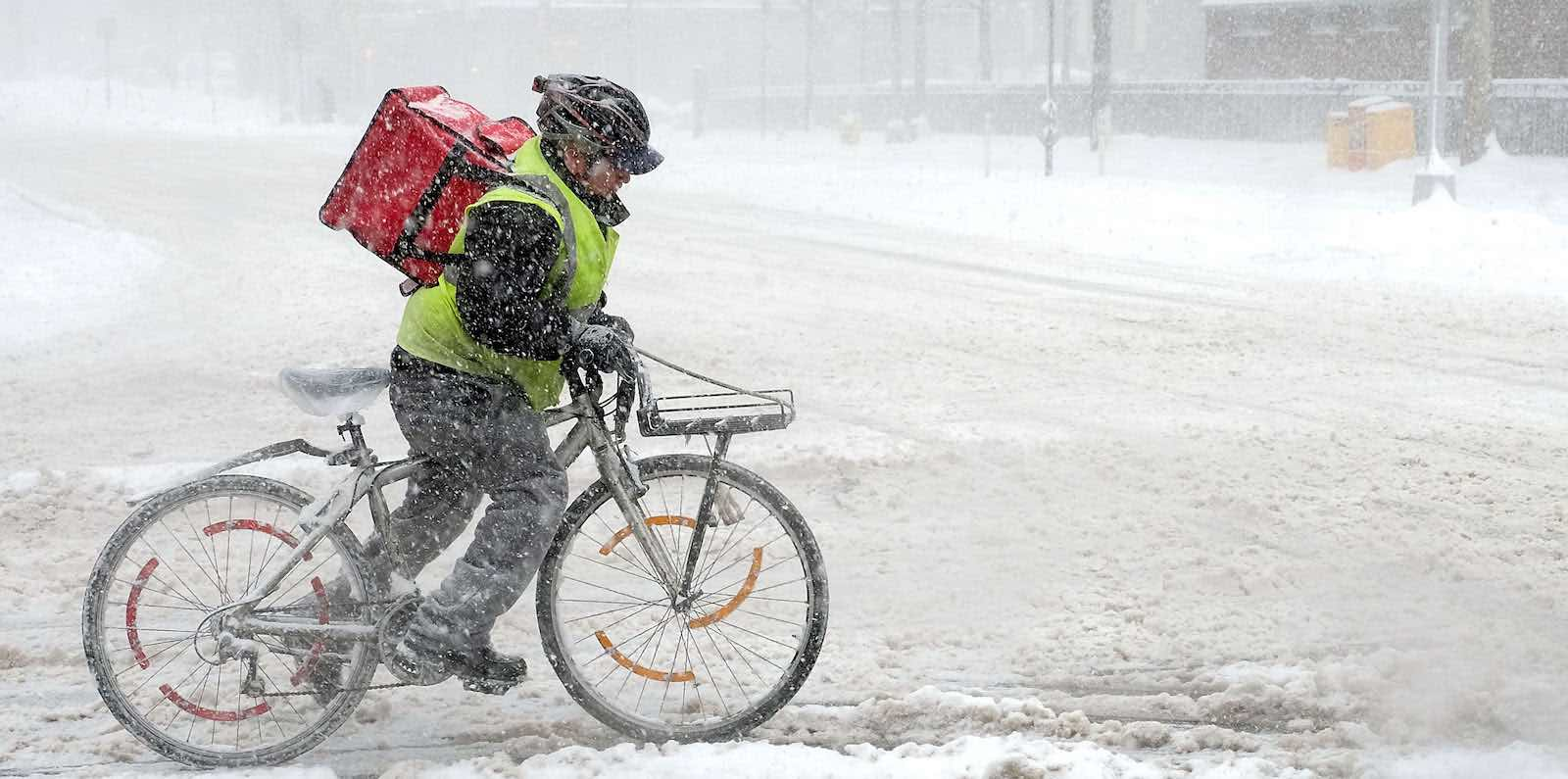 Deliveries in a New York snowstorm, January 2018 (Photo: Jamie McCarthy/Getty)