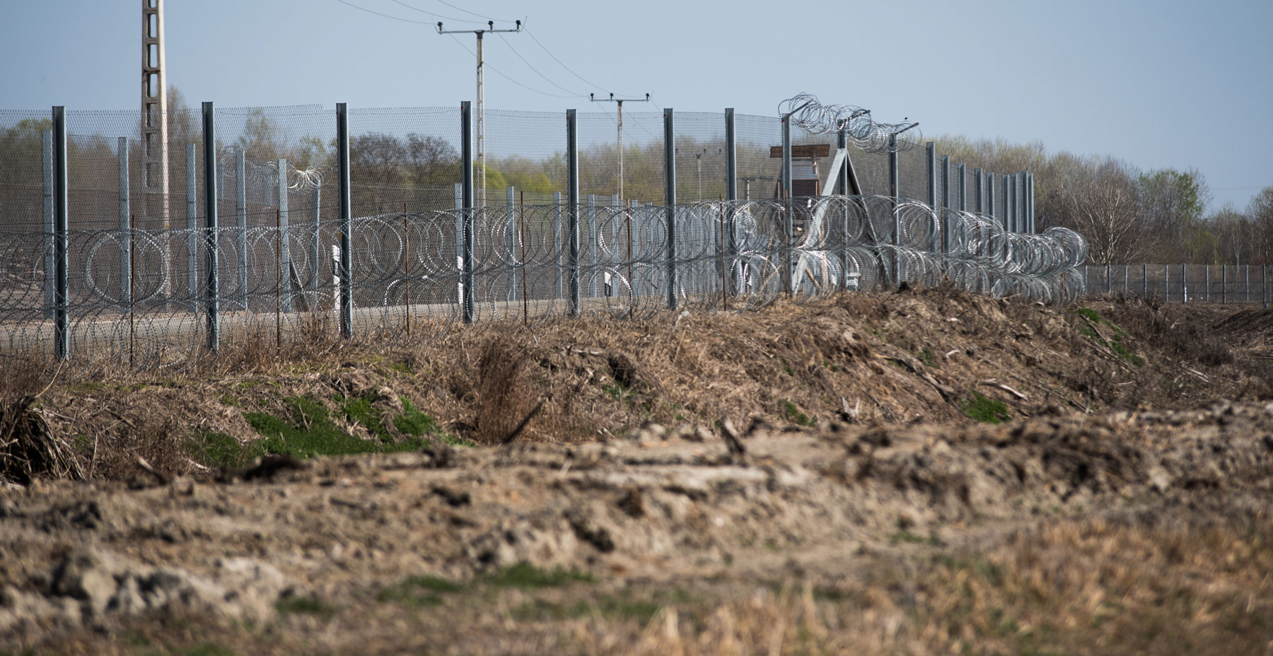 A fence on the Serbia-Hungary border. (Photo: Omar Marques via Getty Images)