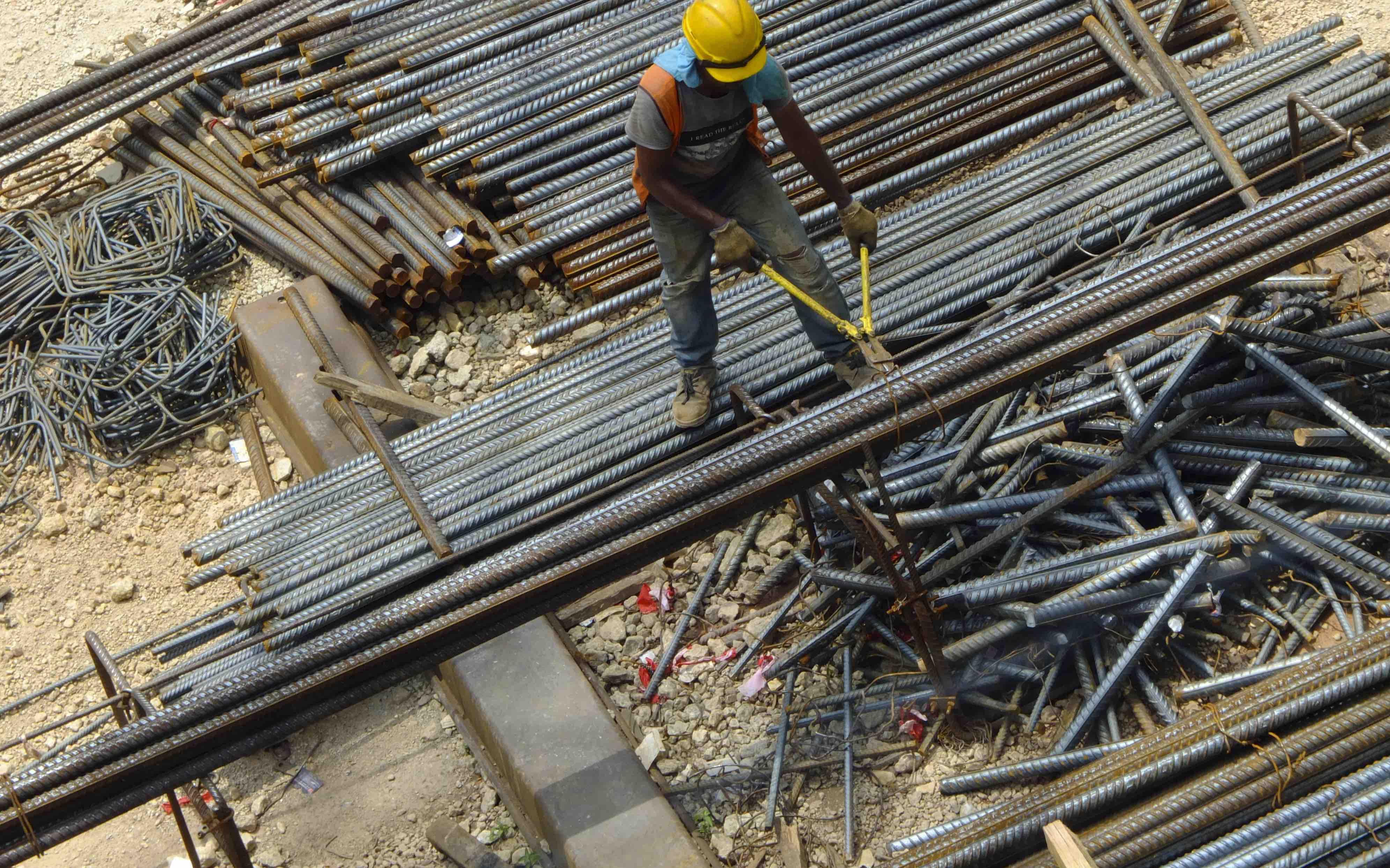 Construction in Kuala Lumpur, Malaysia (Photo: Faris Hadziq via Getty)