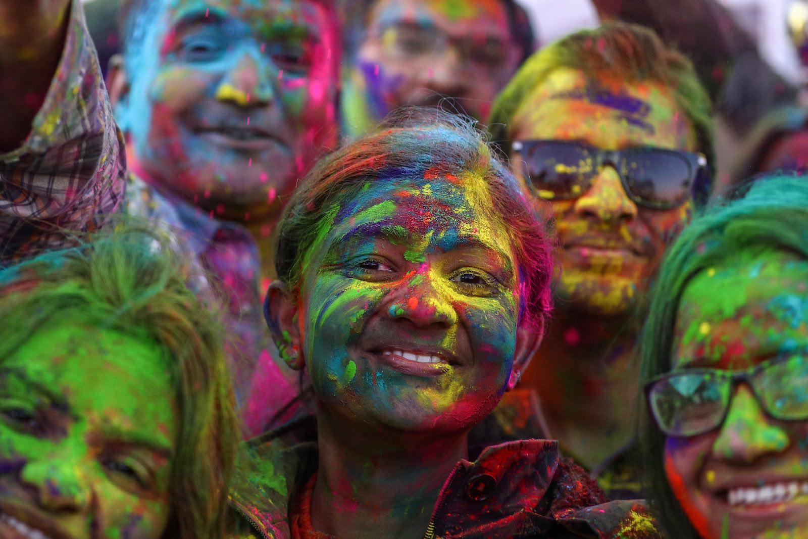 Holi Festival celebrations in Chicago (Photo: Bilgin S. Sasmaz via Getty)