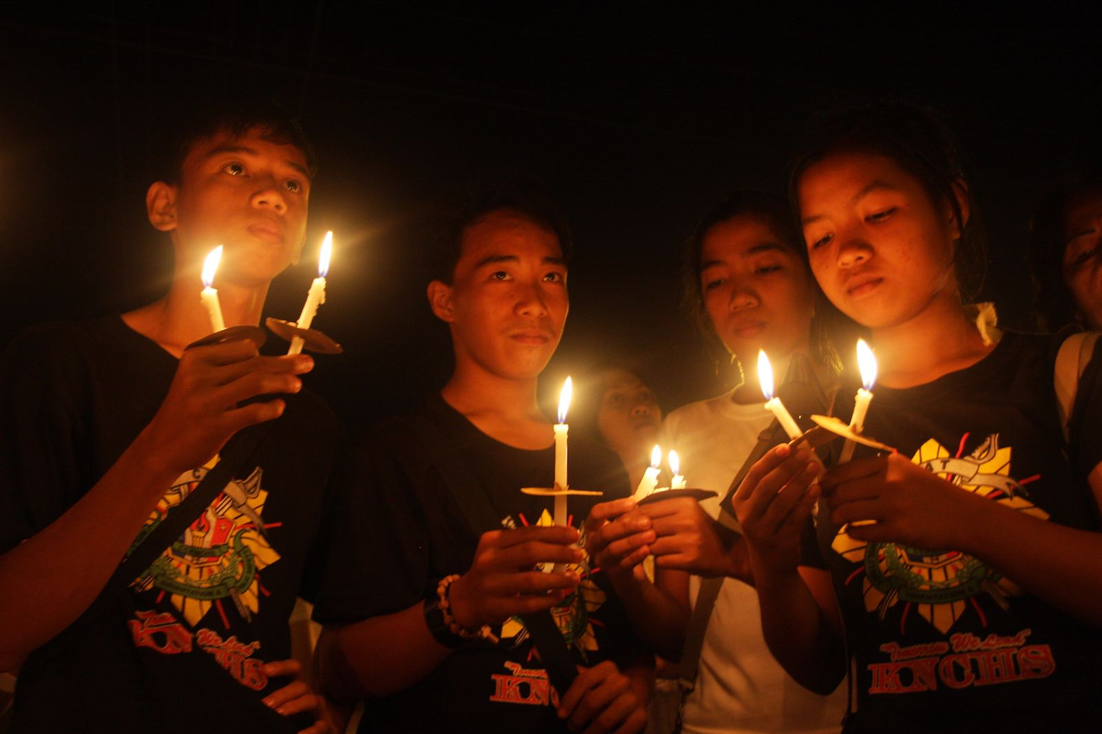 A vigil for victims held the day after the Maguindanao massacre, November 2009 (Photo: Jeoffrey Maitem/Getty Images)