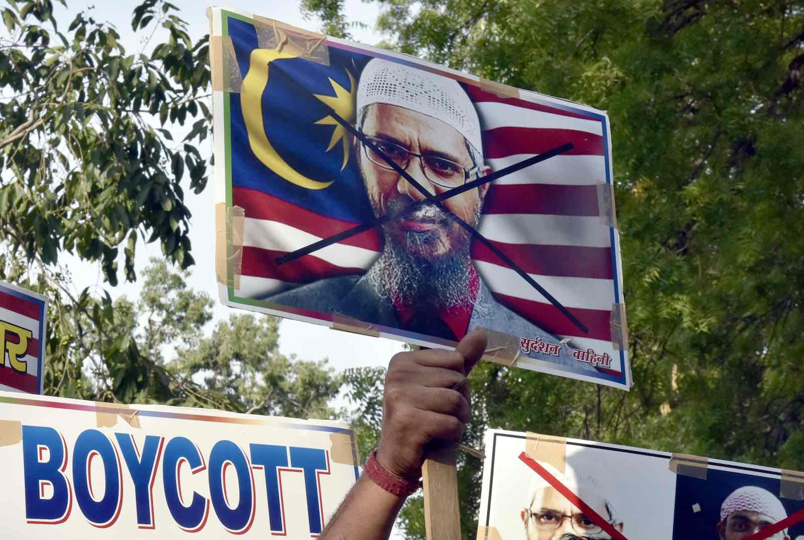 A 2018 protest in New Delhi against Islamic preacher Zakir Naik and the Malaysian government (Photo: Sonu Mehta via Getty)