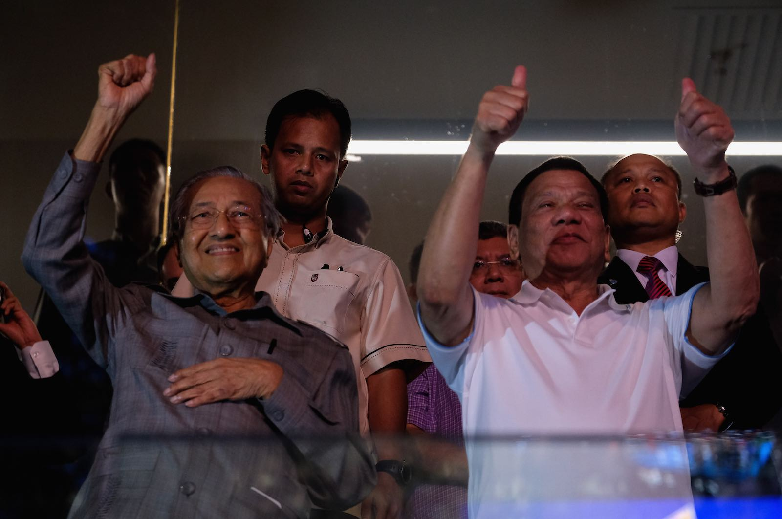 Thumb's up: Malaysia's Mahathir Mohamed and the Philippines' Rodrigo Duterte cheer in a boxing match in 2018 (Photo: Mohd Samsul Mohd Said/Getty)