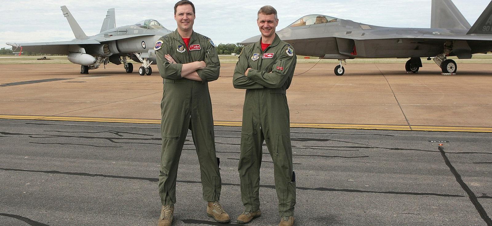 Ft Lt William Grady, 90th Fighter Squadron USAF (left) and USAF Lt Cnl David Skalicky  (Photo: Aust Defence Image Library)