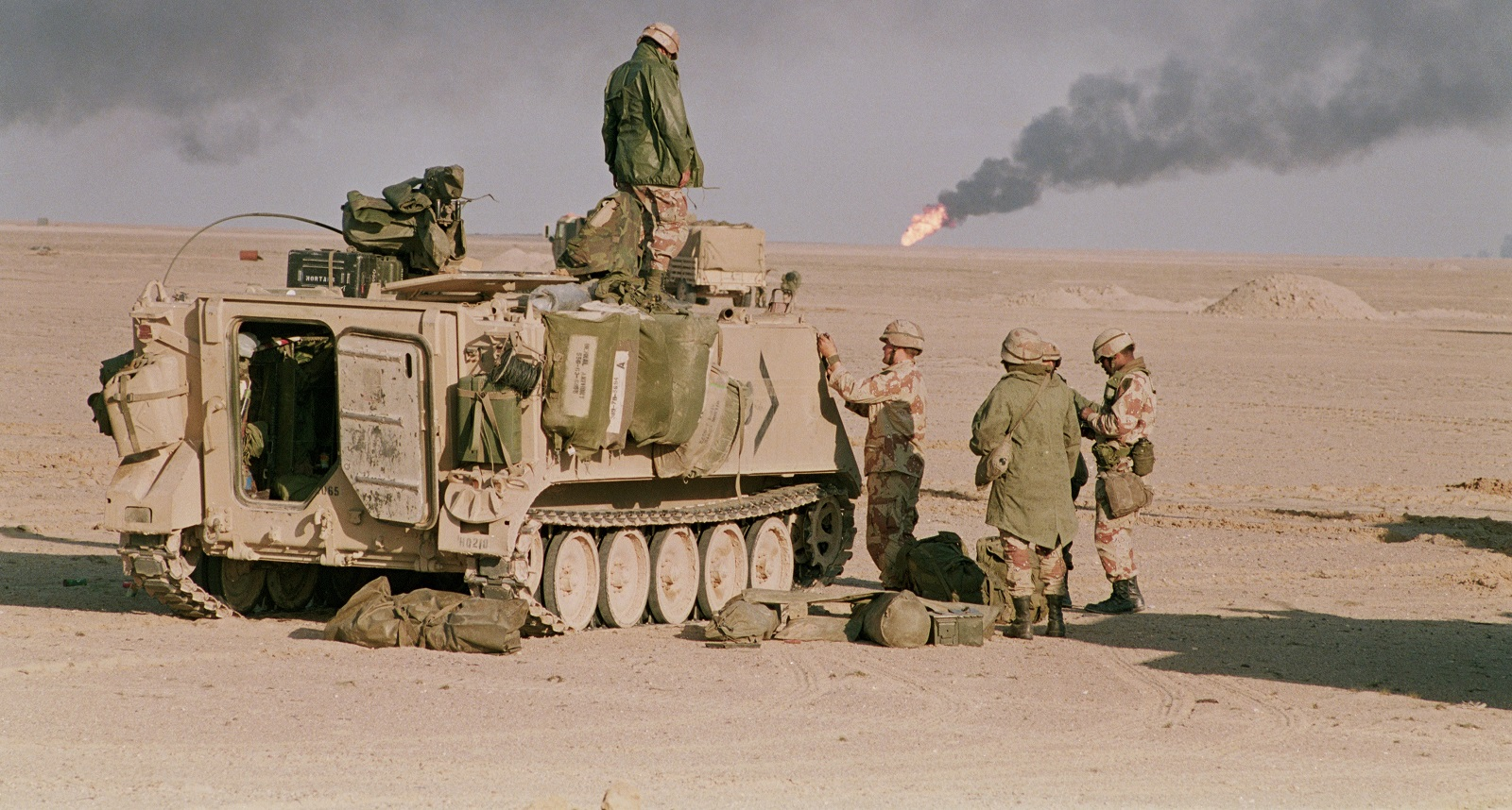 US Soldiers in the 1991 Gulf War (Photo:  Peter Turnley/Corbis/VCG via Getty Images)
