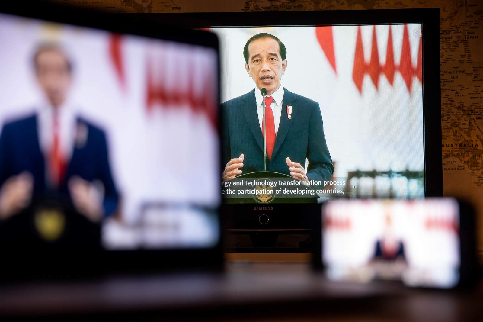 Indonesian President Joko Widodo speaks at the UN General Assembly meeting via live stream in New York, 22 September 2021 (Michael Nagle/Bloomberg via Getty Images)