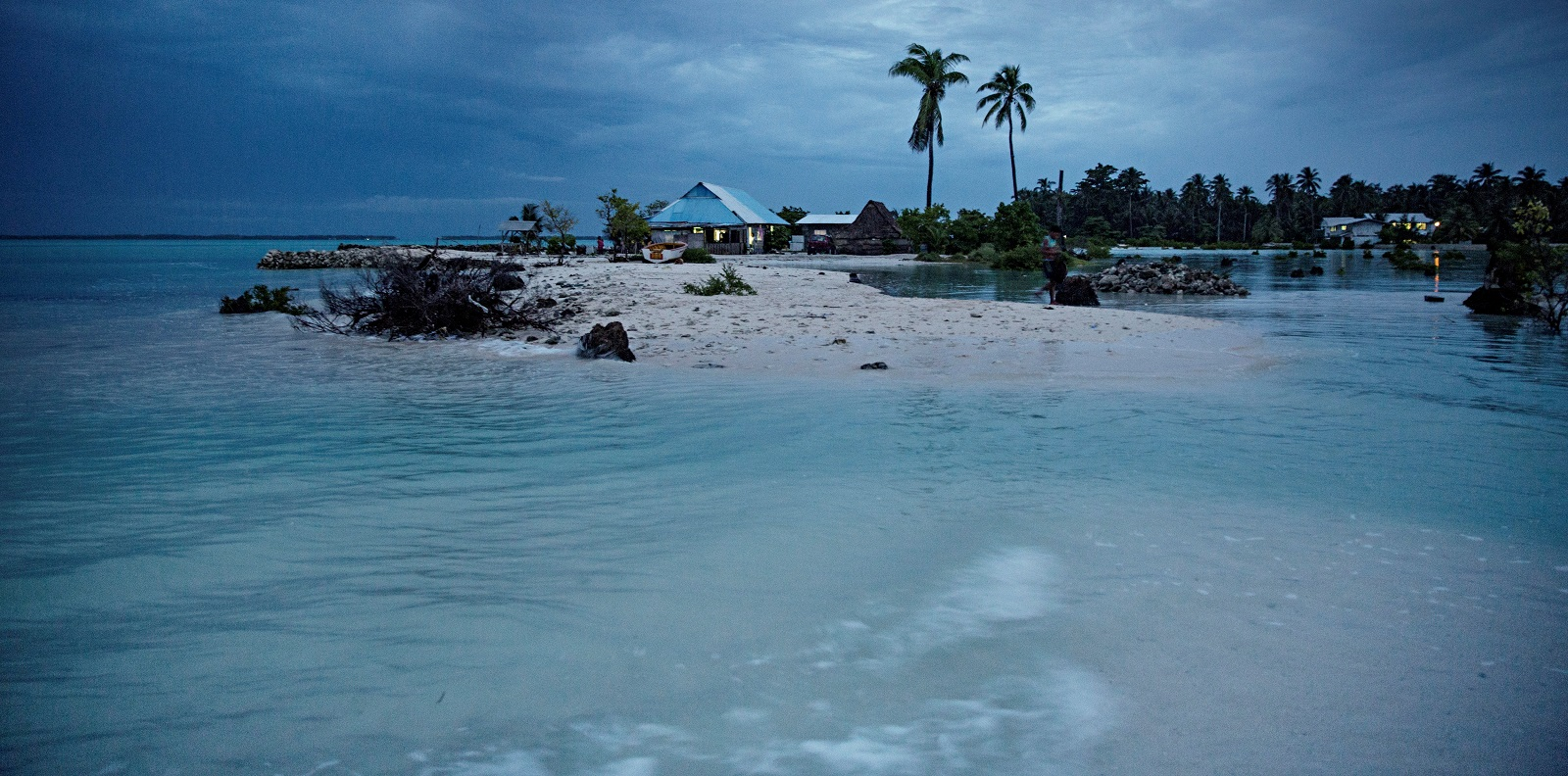 The small village of Eita on Kirabiti becomes a separate island during high tide. (Photo: Jonas Gratzer/via Getty Images)