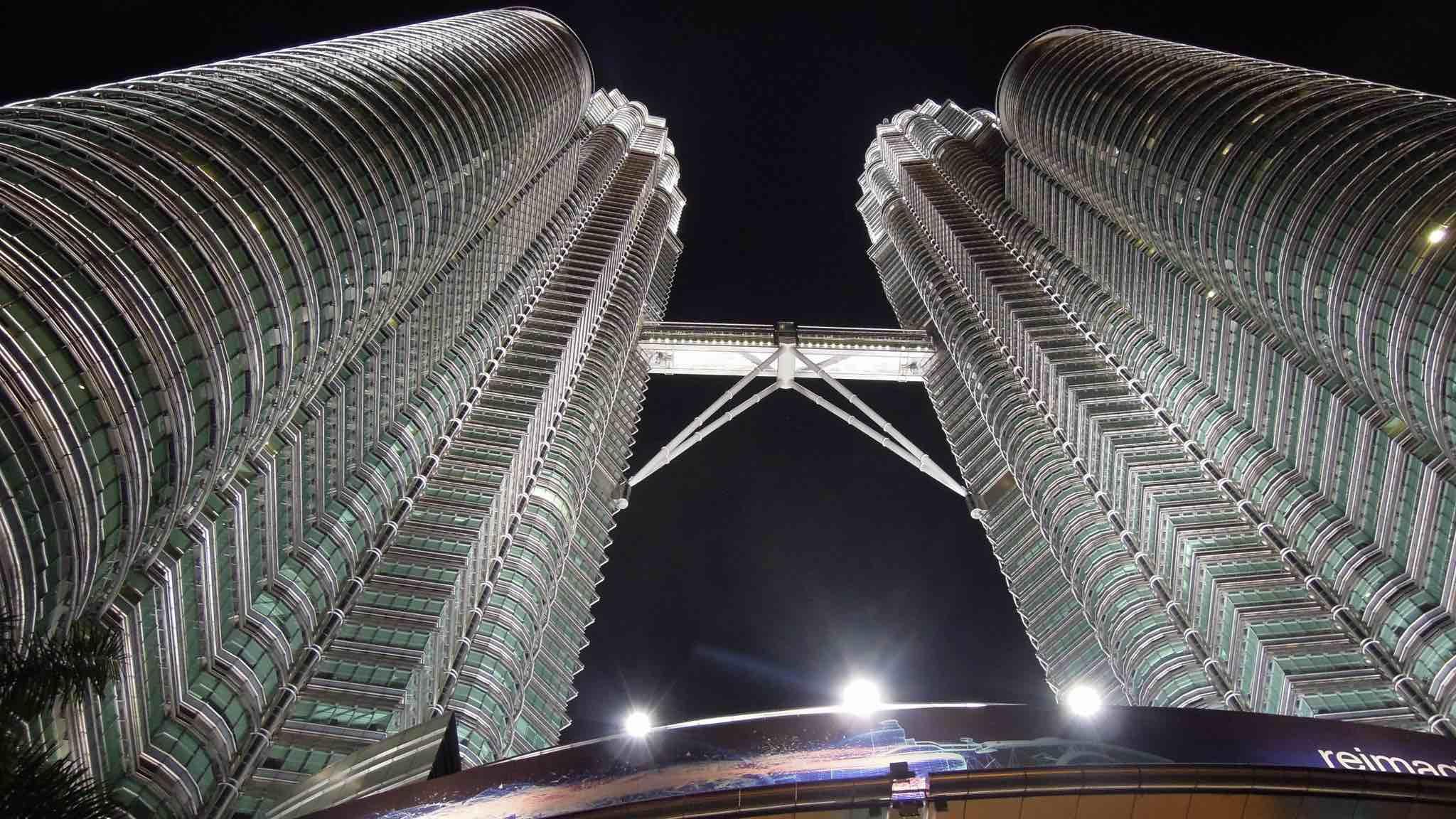 Petronas Towers, Kuala Lumpur (Photo: David McKelvey/Flickr)