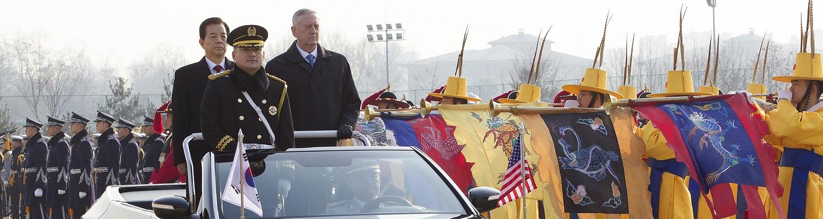 US Defense Secretary James Mattis with his South Korean counterpart Han Min-Koo in Seoul on 3 February. (Photo: Kim Jong Hyun /Getty Images)