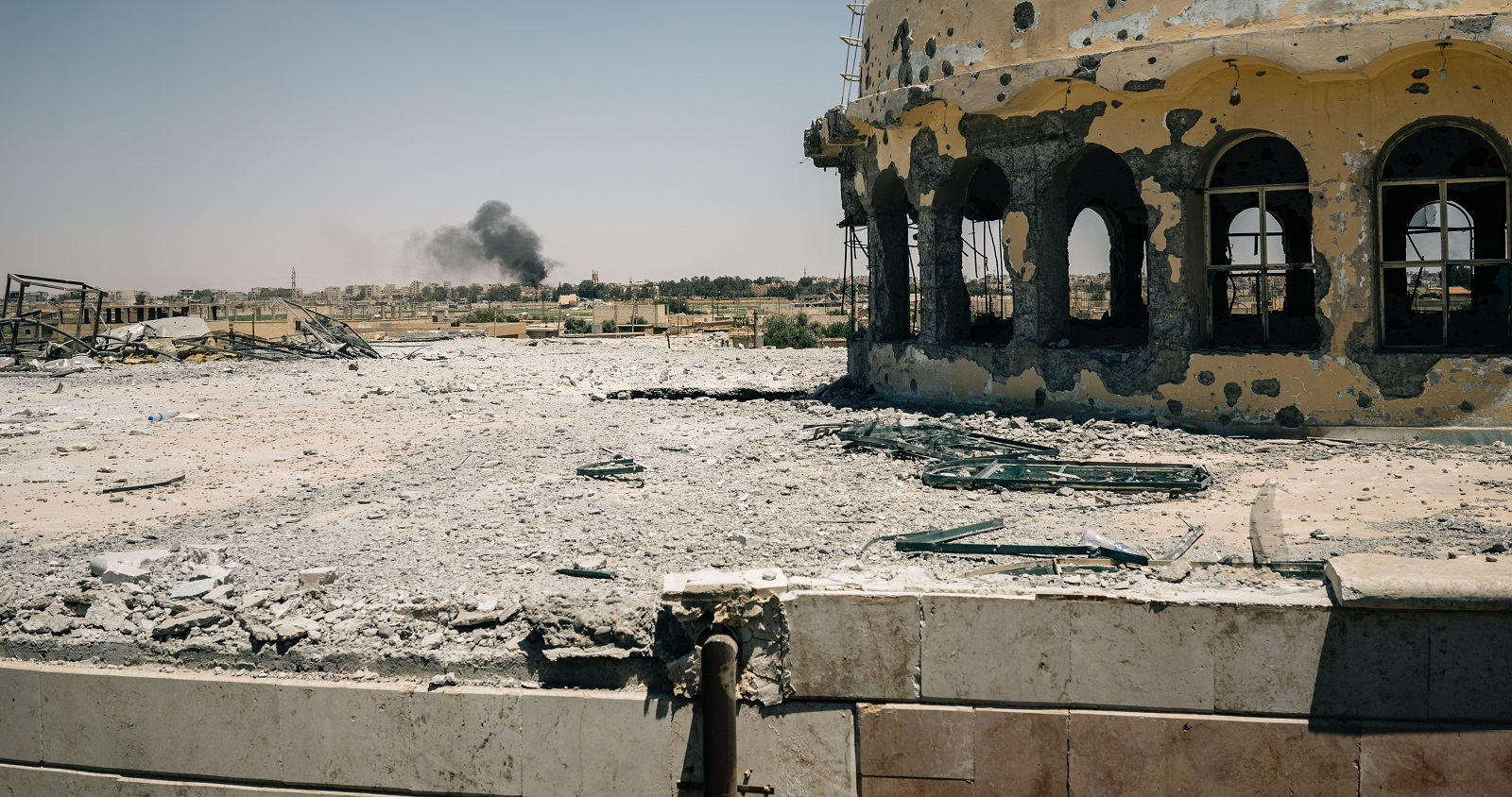 Smoke rises from an airstrike in Raqqa (Photo: Alice Martins/Getty Images)
