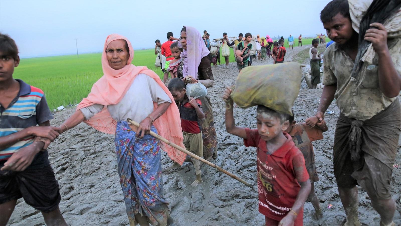 Rohingya refugees from Rakhine state in Myanmar near Teknaf in Bangladesh on Sunday. (Photo: Zakir Hossain Chowdhury/Getty Images)