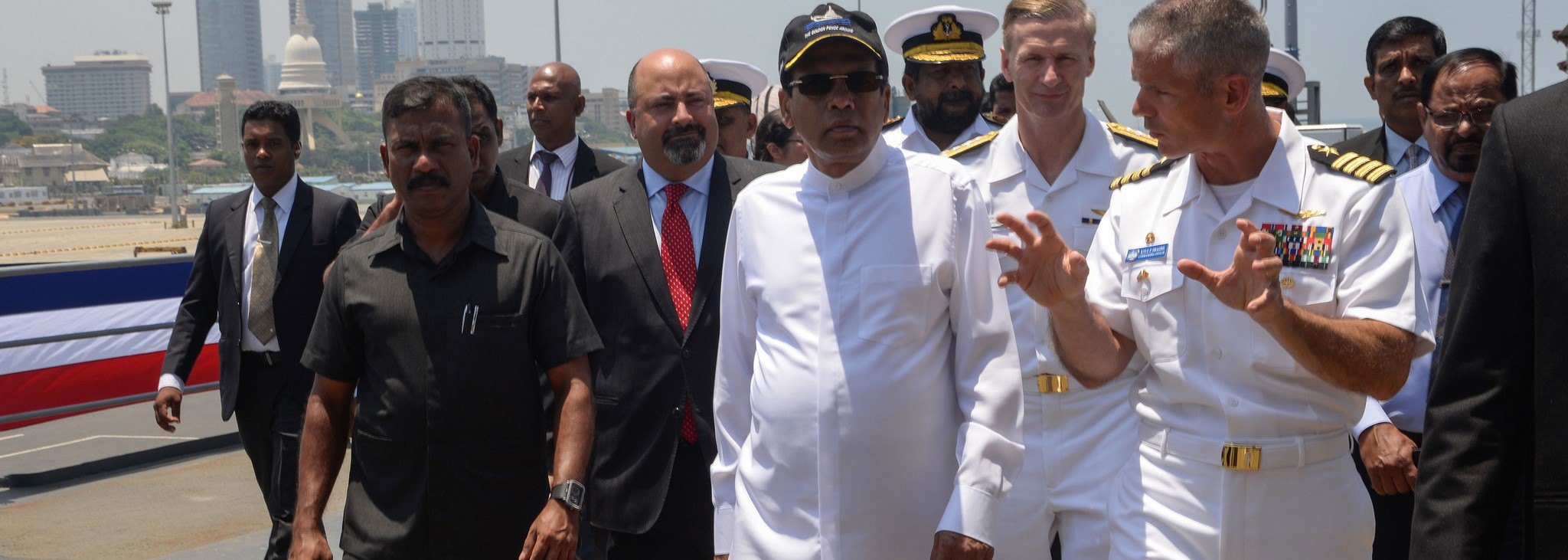 Sri Lankan President Maithripala Sirisena aboard the 7th Fleet flagship USS Blue Ridge in March, 2016 (Photo: US Pacifc Fleet)