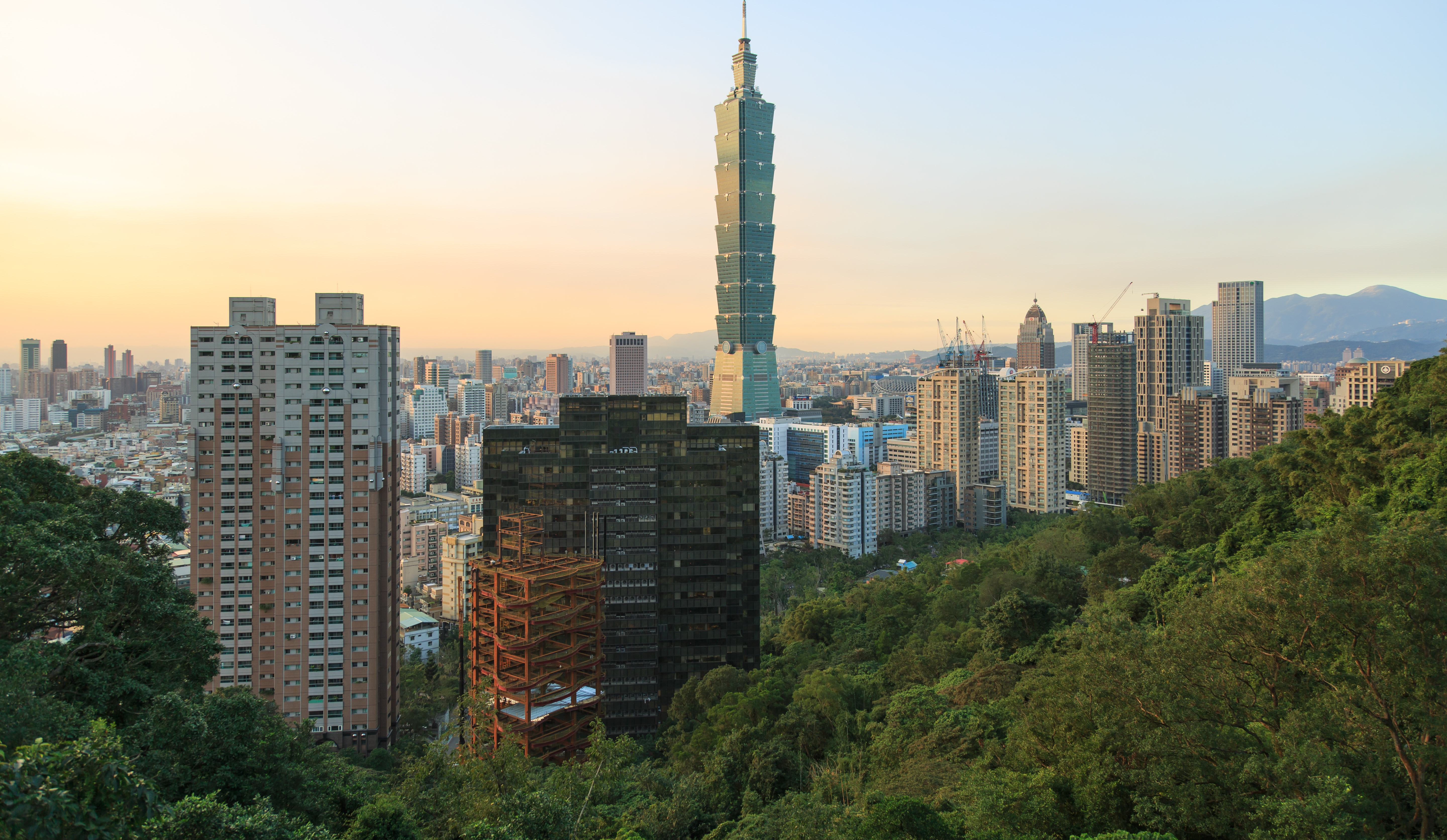 Taipei (Photo by CEphoto, Uwe Aranas Creative Commons licence)