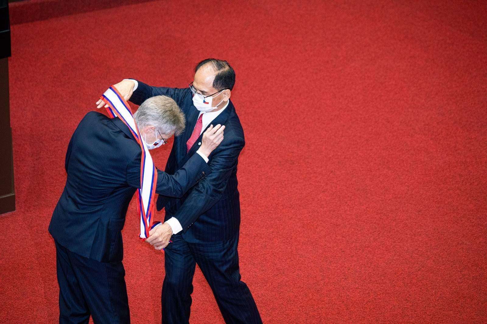 """The visit of Czech Senate President Miloš Vystrčil (L) to Taipei in September 2020, against the wishes of his president, caused Beijing to announce that he would pay a """"heavy price"""" (Annabelle Chih/SOPA Images/LightRocket via Getty Images)"""