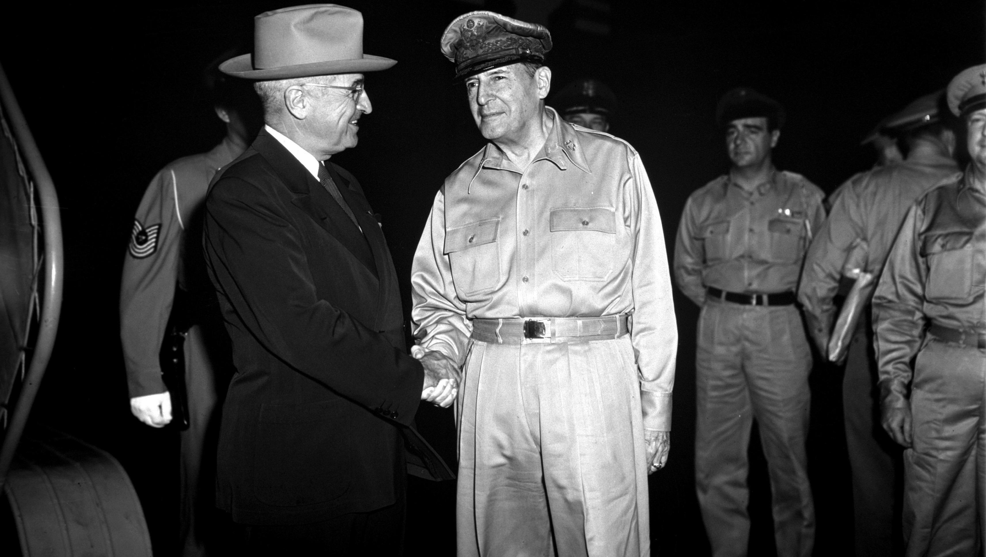 President Truman and General Douglas Macarthur at Wake Island, 1950. (Wikimedia Commons)