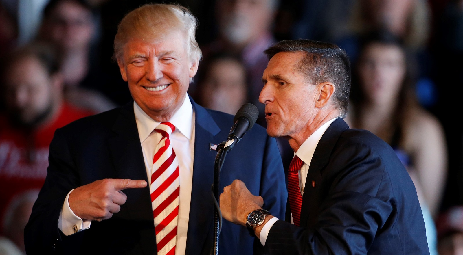 Donald Trump with Mike Flynn on the campaign trail in October (Photo: George Frey/Getty Images)