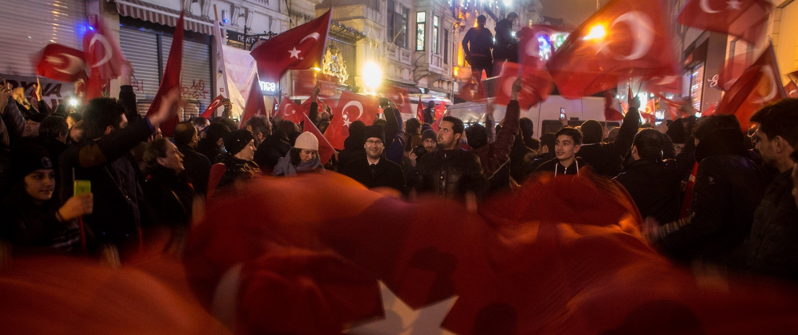 Protesters outside the Dutch Consulate on 12 March in Istanbul, Turkey (Photo: Chris McGrath/Getty)