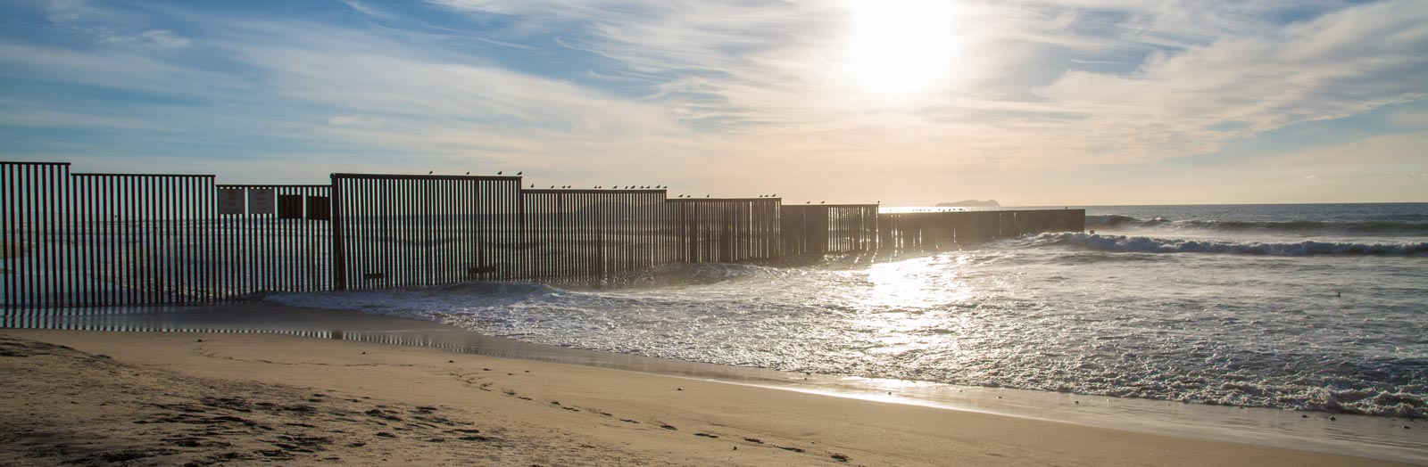 US–Mexico ocean border (Photo: Flickr/Tony Webster)