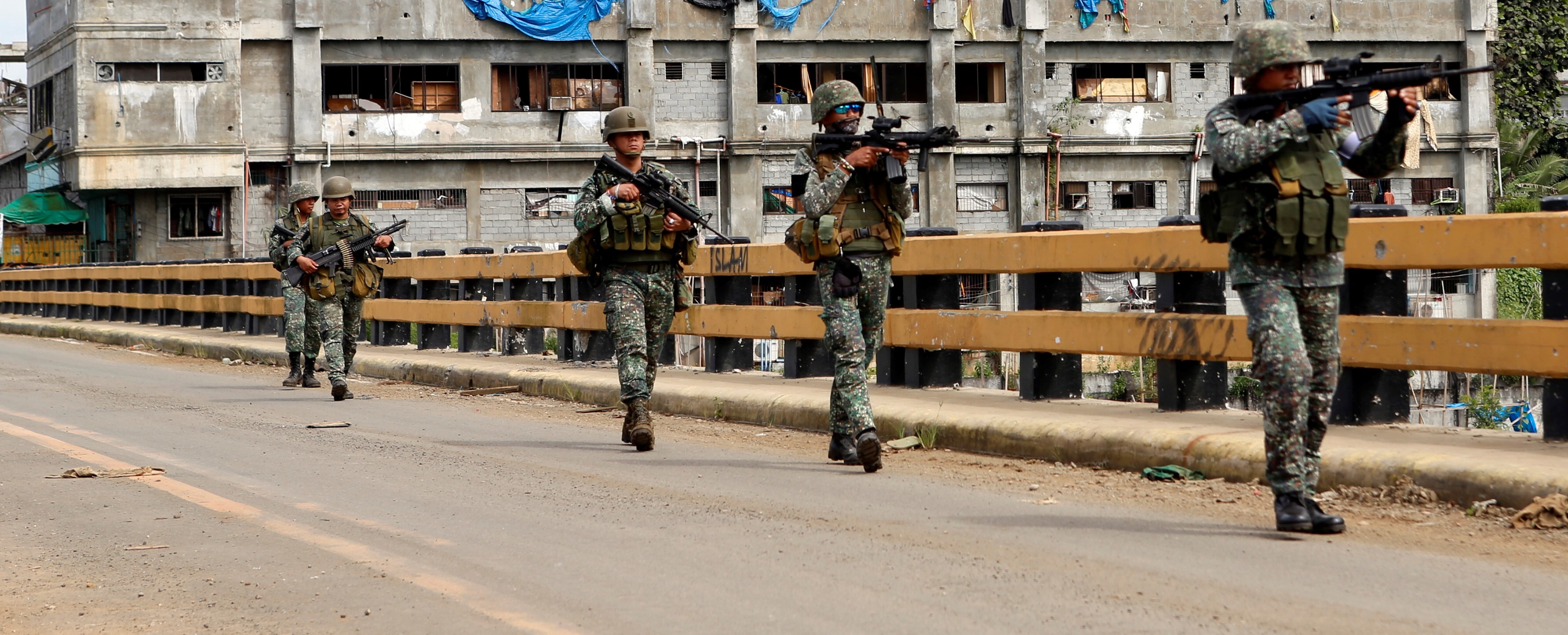 Philippine Marines 1st Brigade conduct clearing operations in Marawi. (Getty/Anadolu)