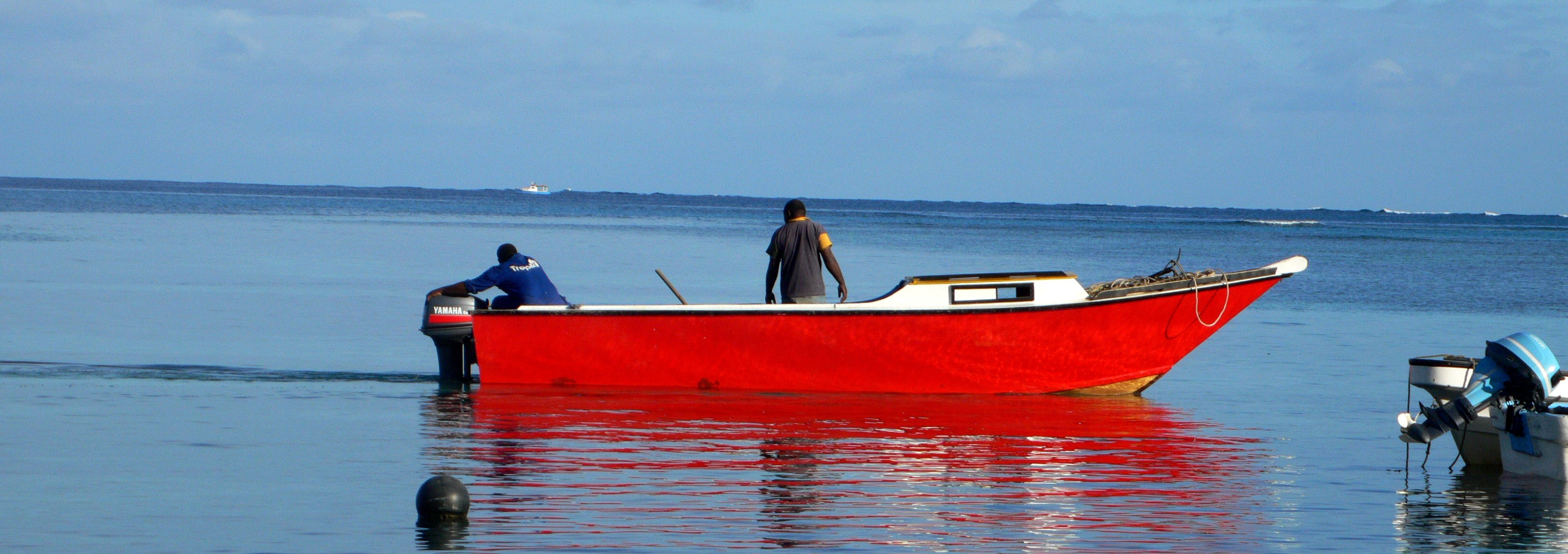 Fishing boat, Nacula Island, Fiji (Photo: Flickr/ Kanaka Rastamon)
