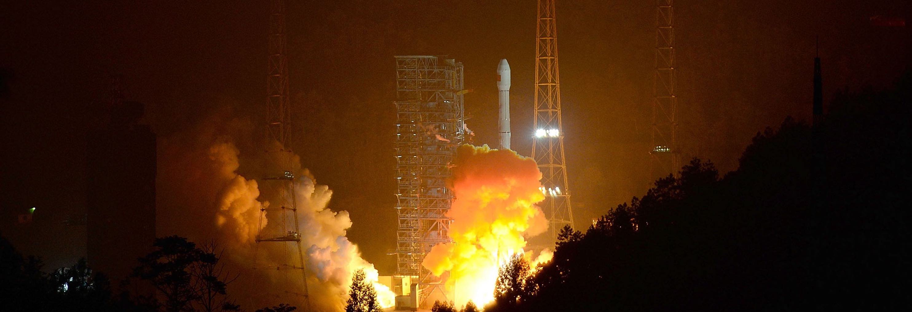 A Long March-3B carrier rocket carrying China's Chang'e-3 lunar probe takes off from the Xichang Satellite Launch Centre (Photo: VCG, via Getty)