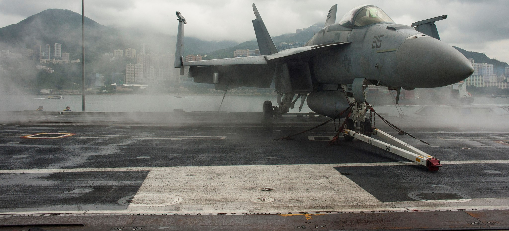 An F/A-18E Super Hornet on the USS George Washington in Hong Kong, June 2014 (Photo: Flickr/US Navy)