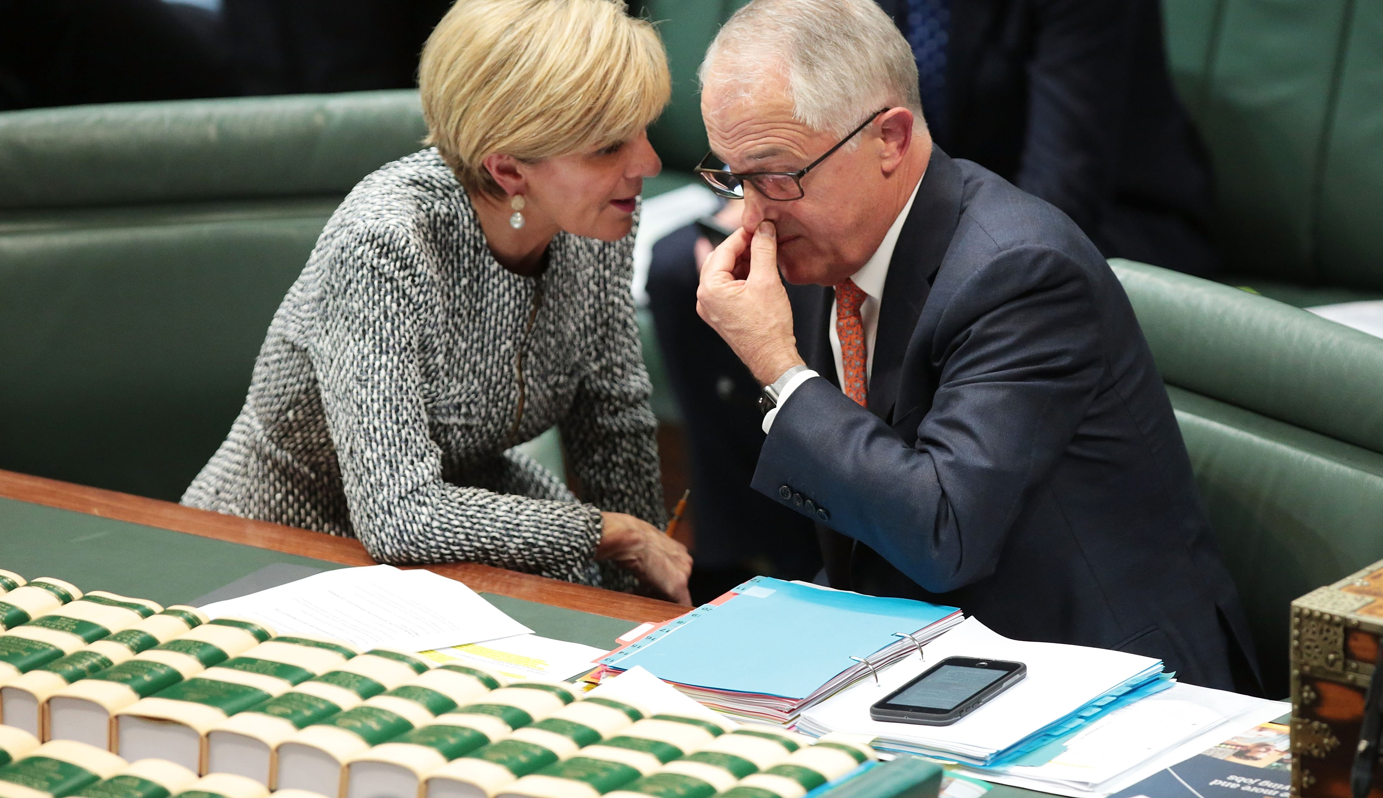 Foreign Minister Julie Bishop speaks with Prime Minister Malcolm Turnbull during question time, May 2017 (Photo: Getty Images/Stefan Postles)