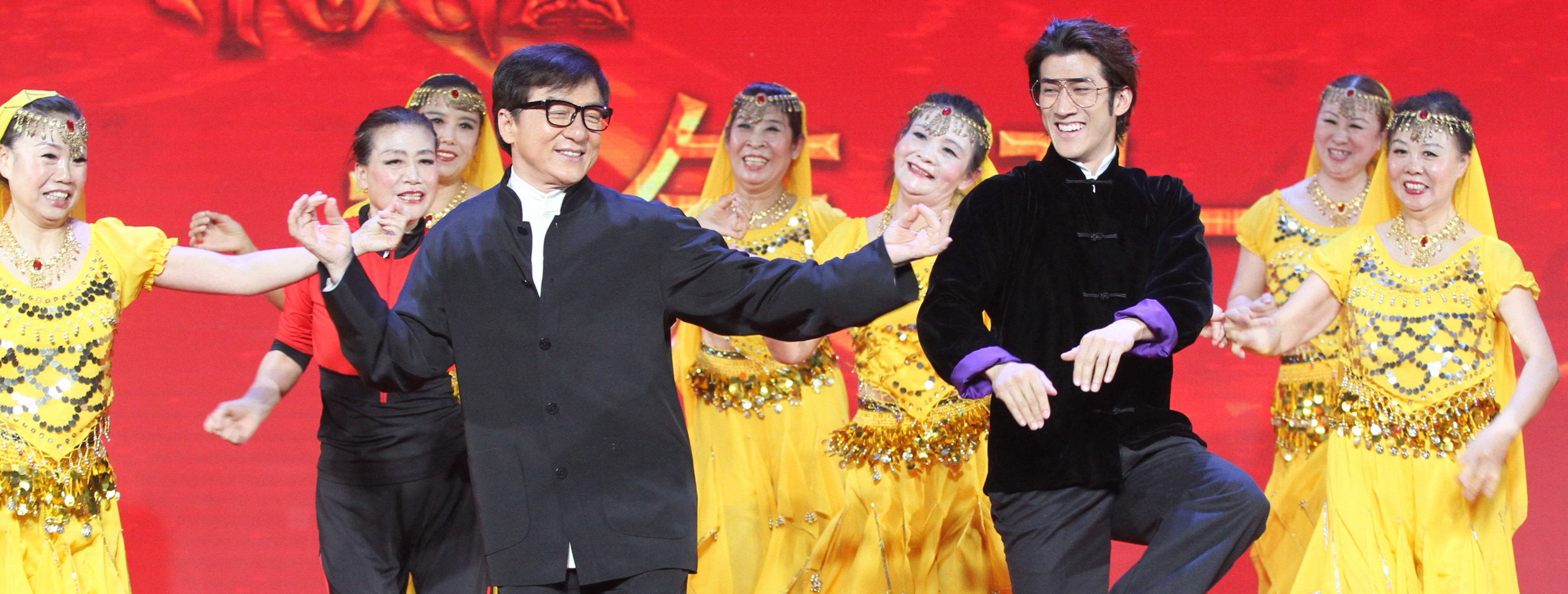 Kung-Fu Yoga actors Jackie Chan and Aarif Lee at a Beijing press conference, January 2017 (Photo: Getty Images/VCG)