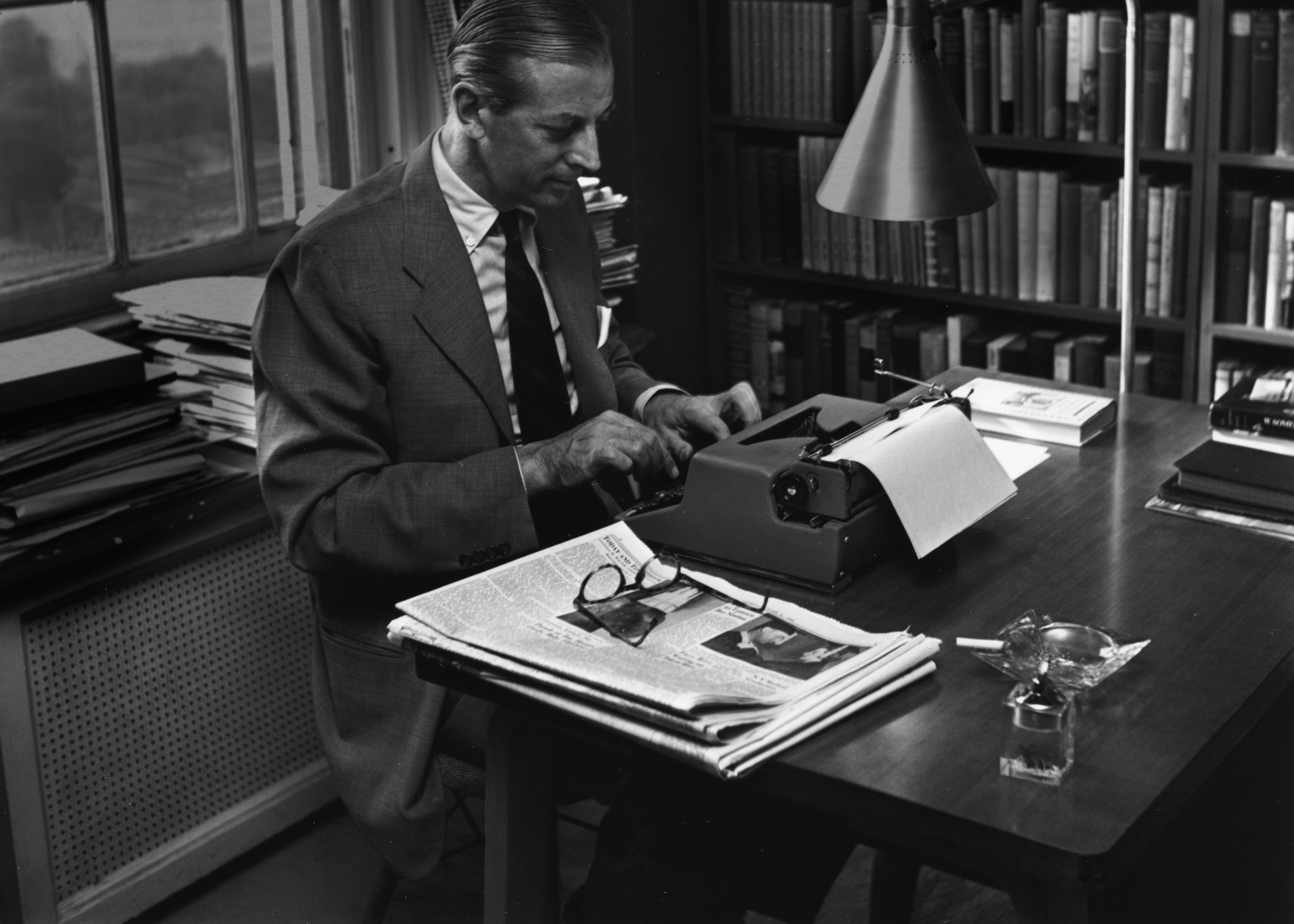 Alistair Cooke at his typewriter, circa 1950 (Photo: Getty Images/Archive Photos)