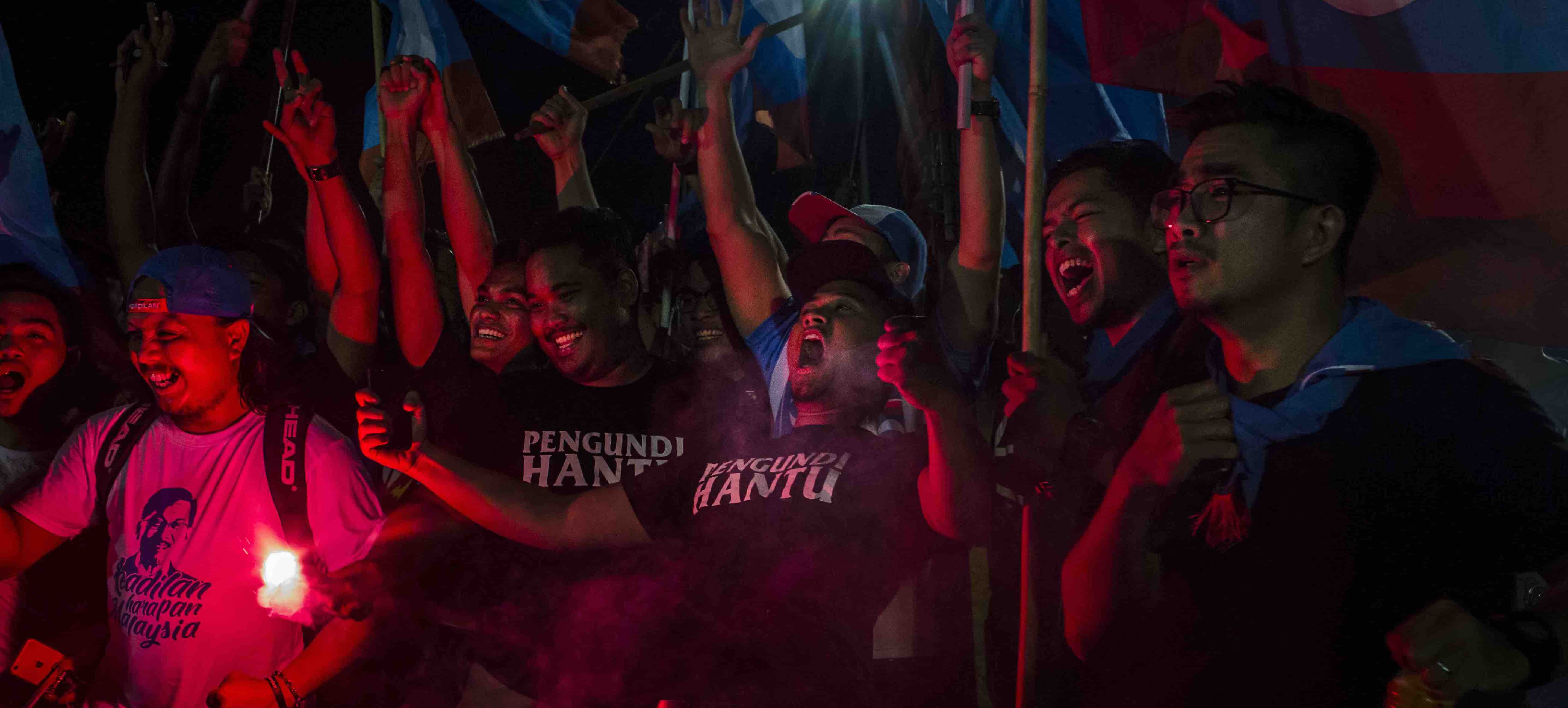 Supporters of Mahathir Mohamad celebrate the election result in Kuala Lumpur (Photo: Ulet Ifansasti/Getty)