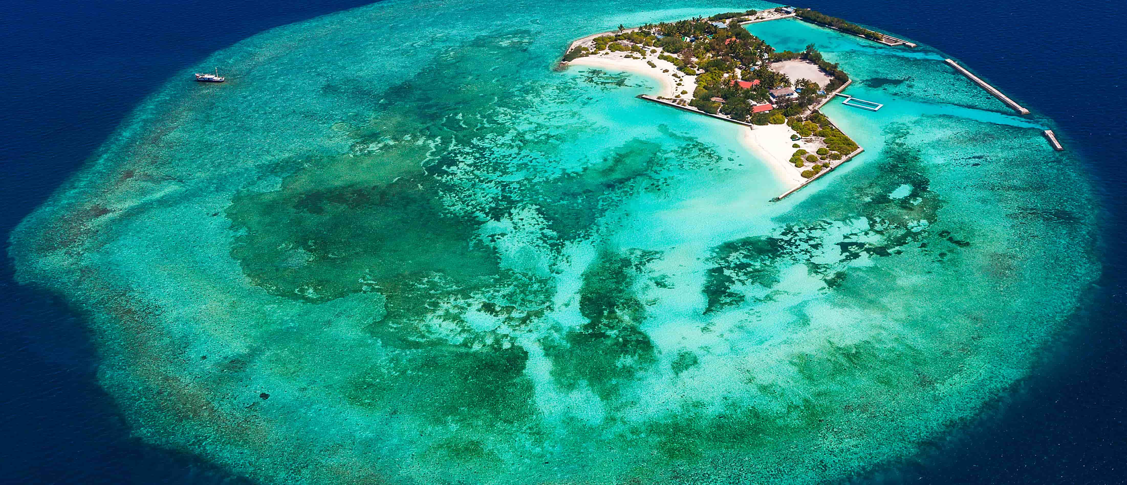 Feydhoo Finolhu island at Male Atoll, Maldives. (Photo: Marco Prosch/Getty Images)